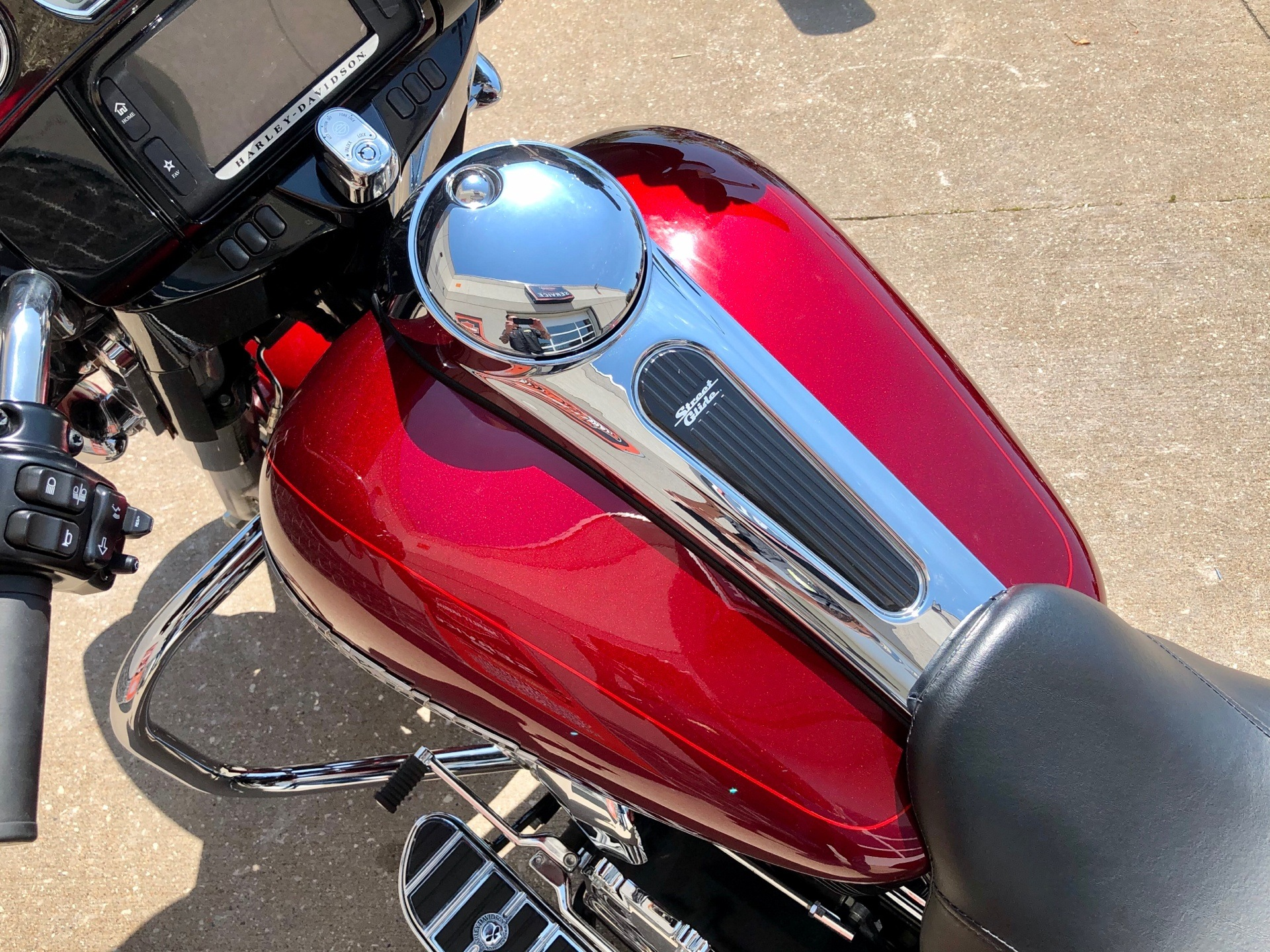 2016 Harley-Davidson Street Glide® Special in Davenport, Iowa - Photo 10