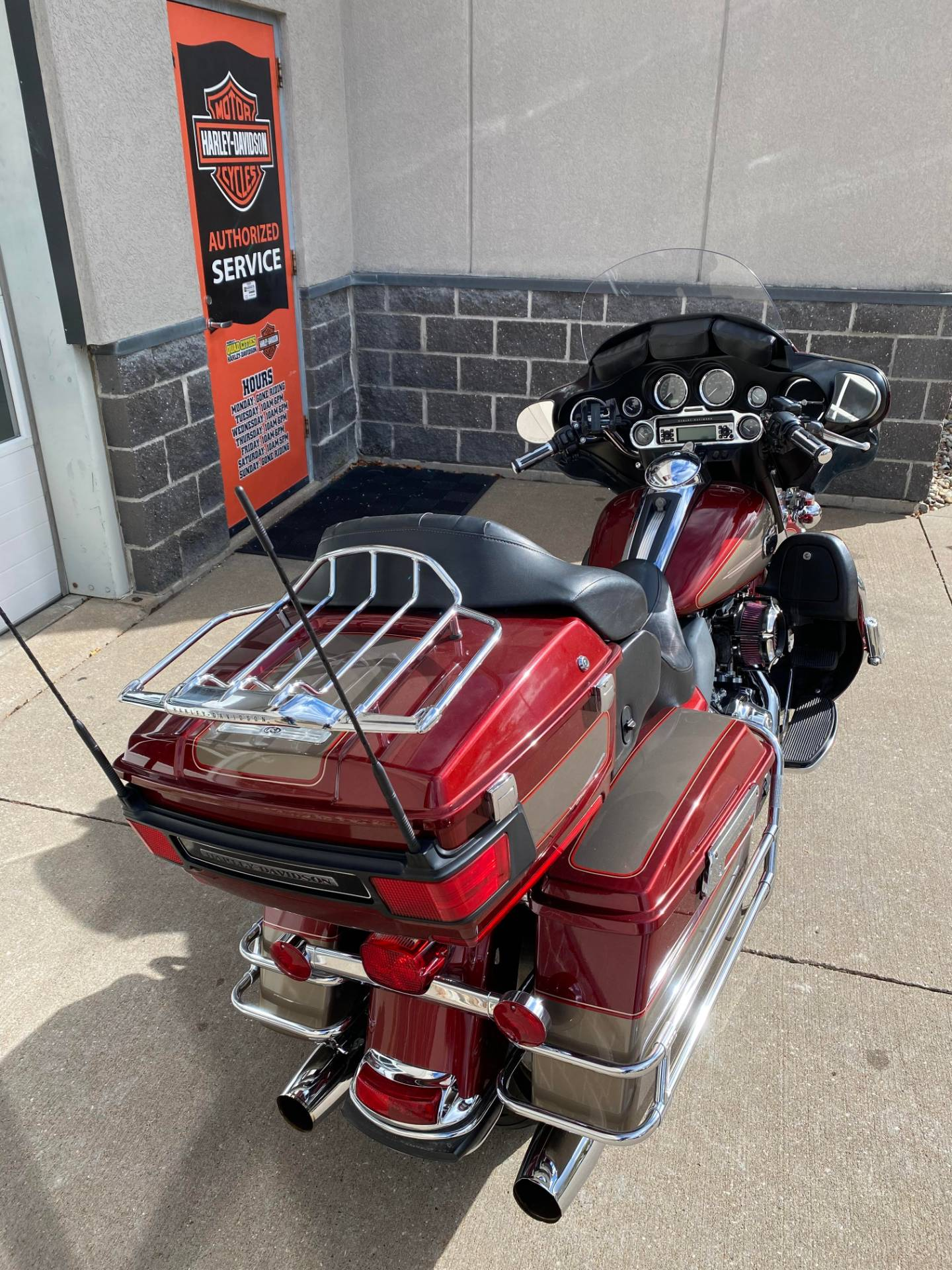 2009 Harley-Davidson ELECTRA GLIDE ULTRA CLASSIC in Davenport, Iowa - Photo 3