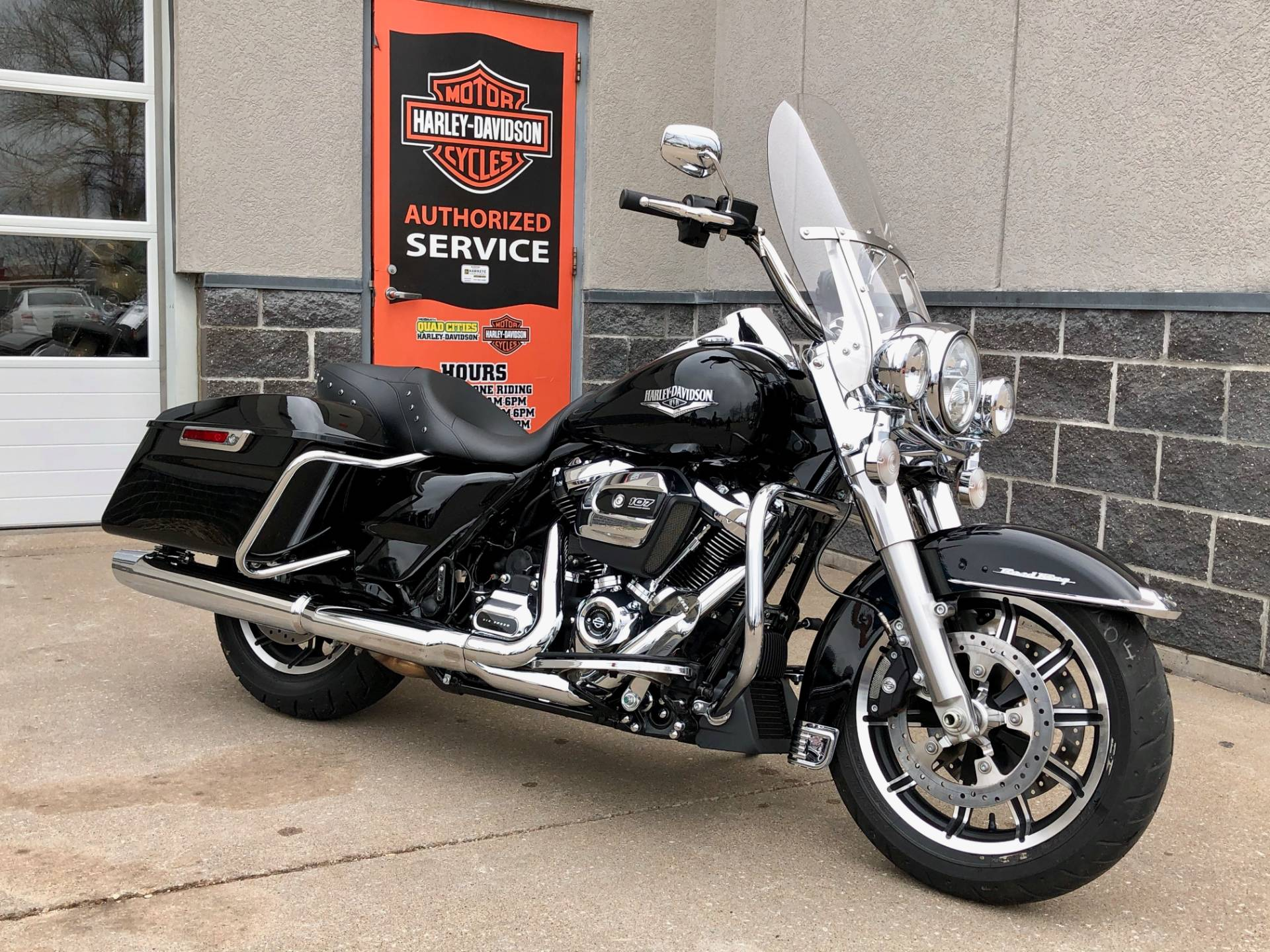 2019 Harley-Davidson Road King® in Davenport, Iowa - Photo 2