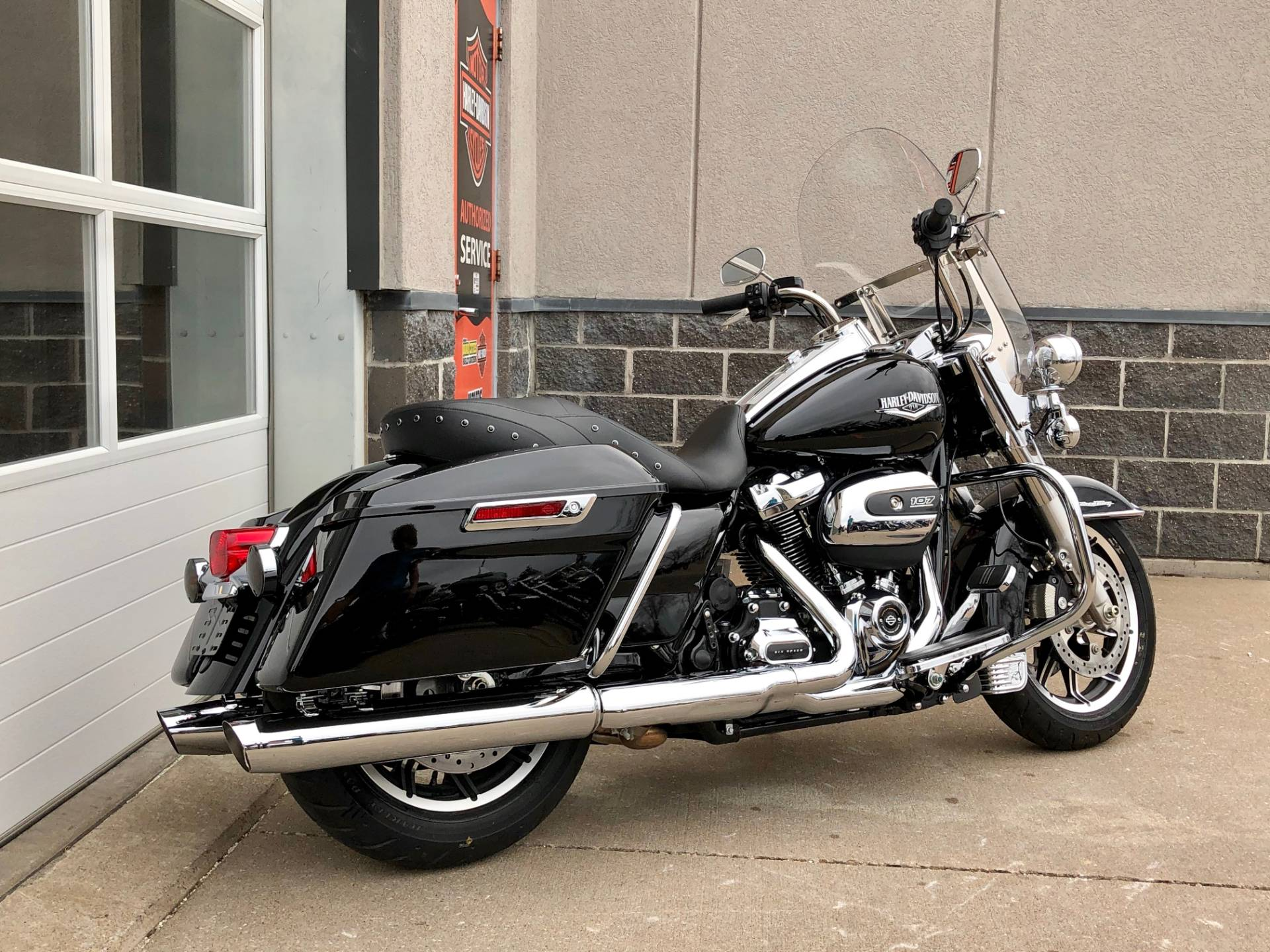 2019 Harley-Davidson Road King® in Davenport, Iowa - Photo 3