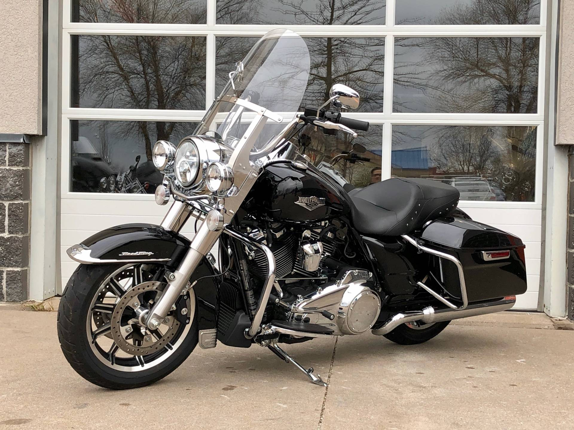 2019 Harley-Davidson Road King® in Davenport, Iowa - Photo 5