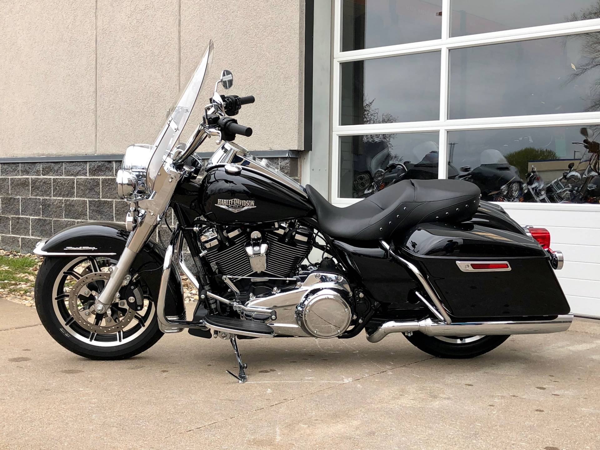 2019 Harley-Davidson Road King® in Davenport, Iowa - Photo 4