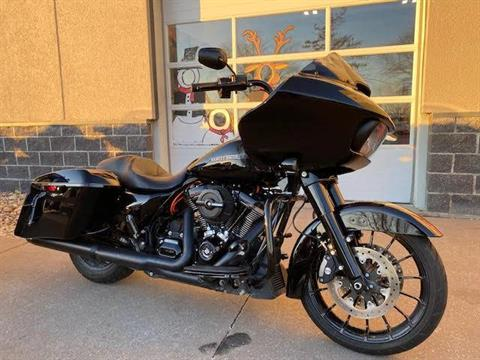 2019 Harley-Davidson Road Glide® Special in Davenport, Iowa - Photo 1