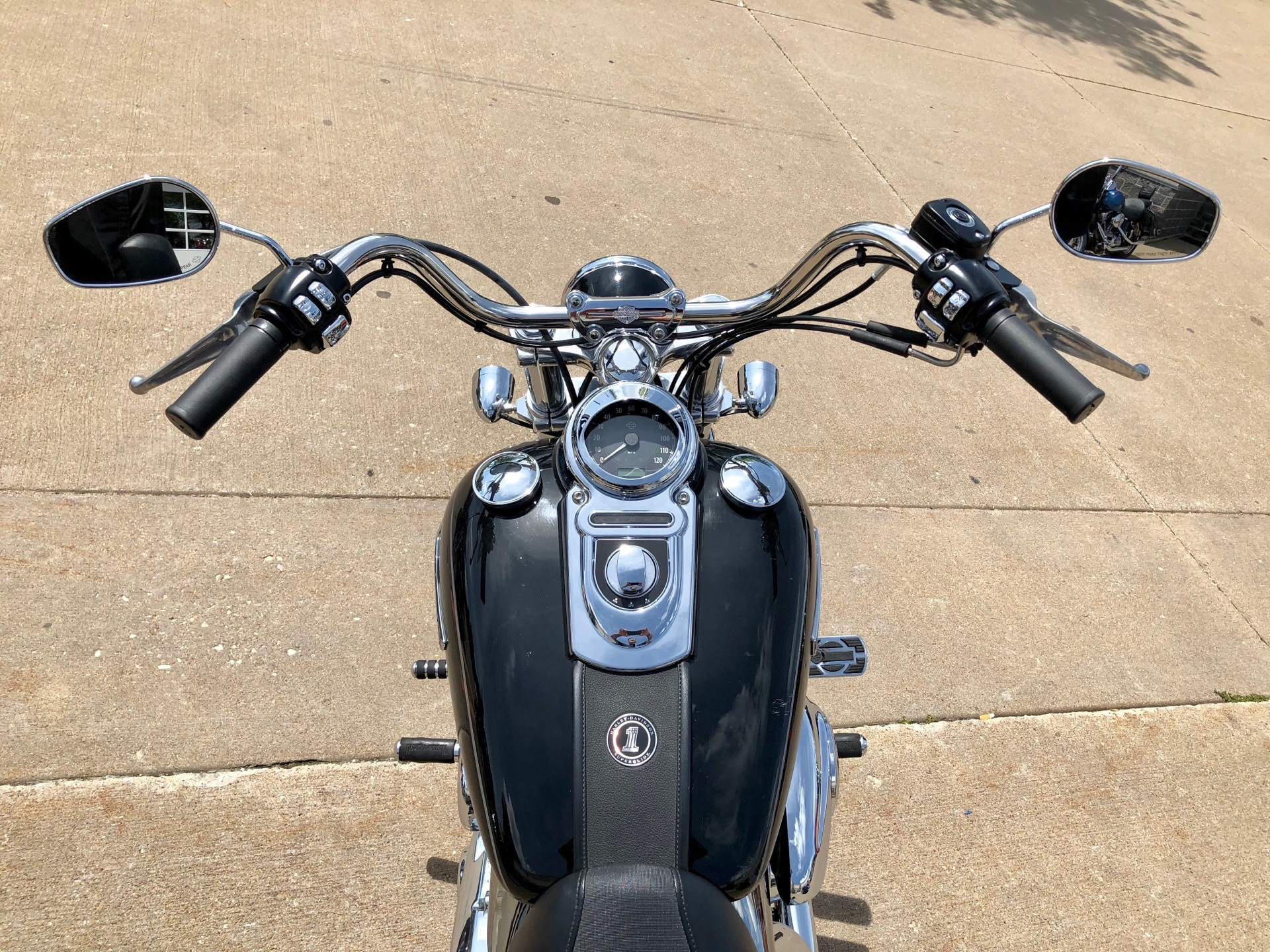 2012 Harley-Davidson Dyna® Super Glide® Custom in Davenport, Iowa - Photo 13