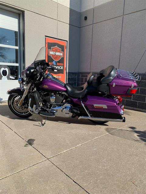 2011 Harley-Davidson Electra Glide® Ultra Limited in Davenport, Iowa - Photo 2
