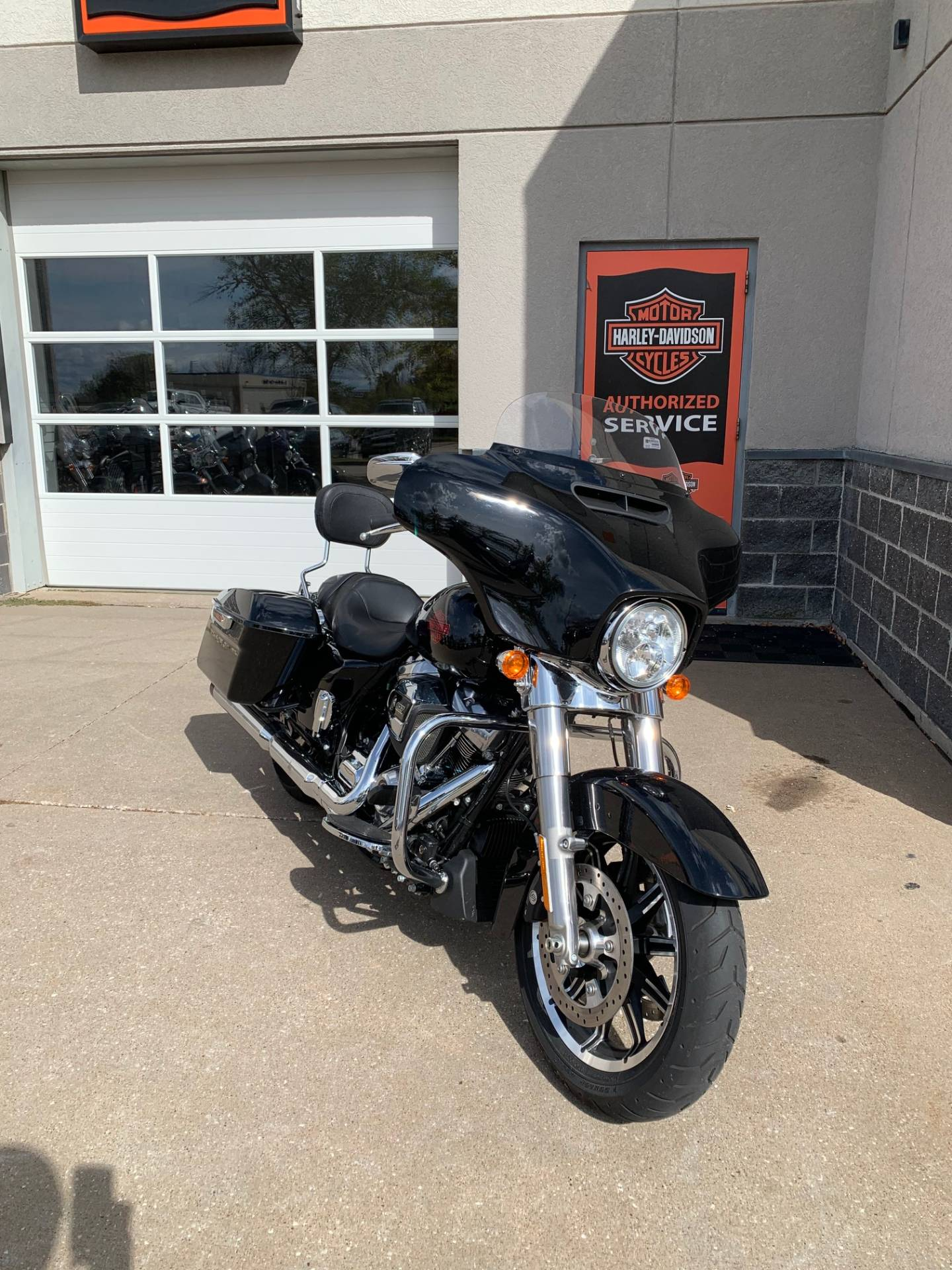 2019 Harley-Davidson Electra Glide® Standard in Davenport, Iowa - Photo 7