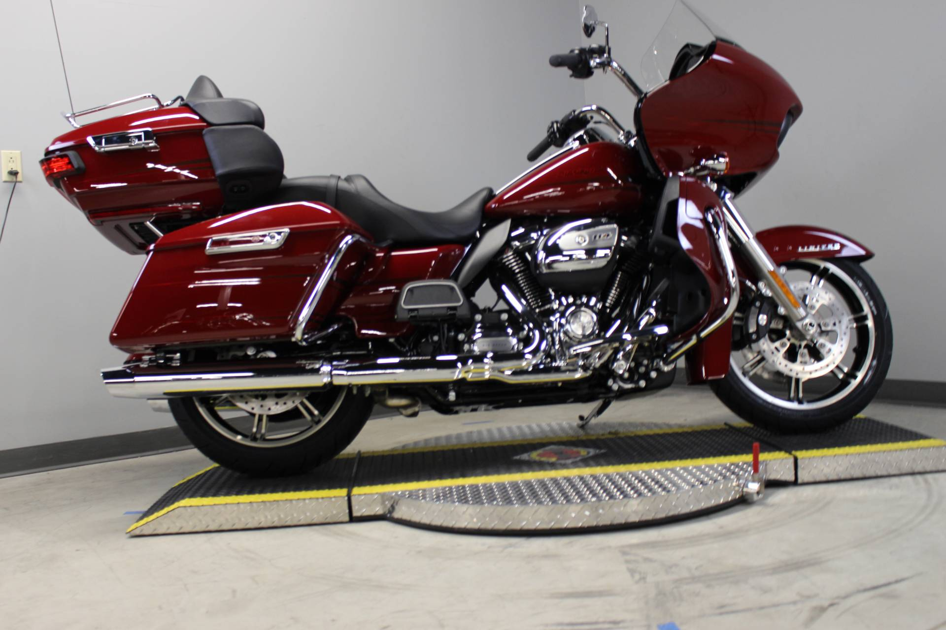 2020 Harley-Davidson Road Glide® Limited in Dubuque, Iowa - Photo 5