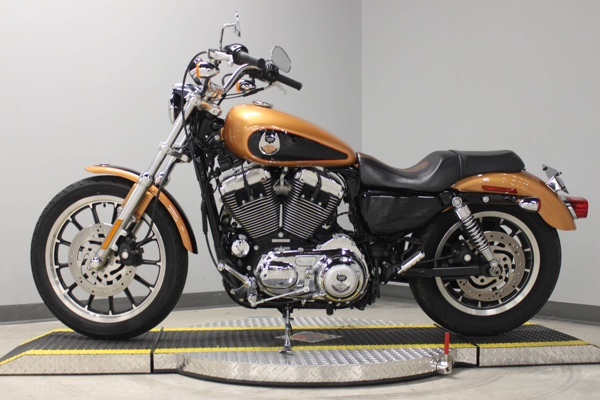2008 Harley-Davidson Sportster® 1200 Low in Dubuque, Iowa - Photo 2