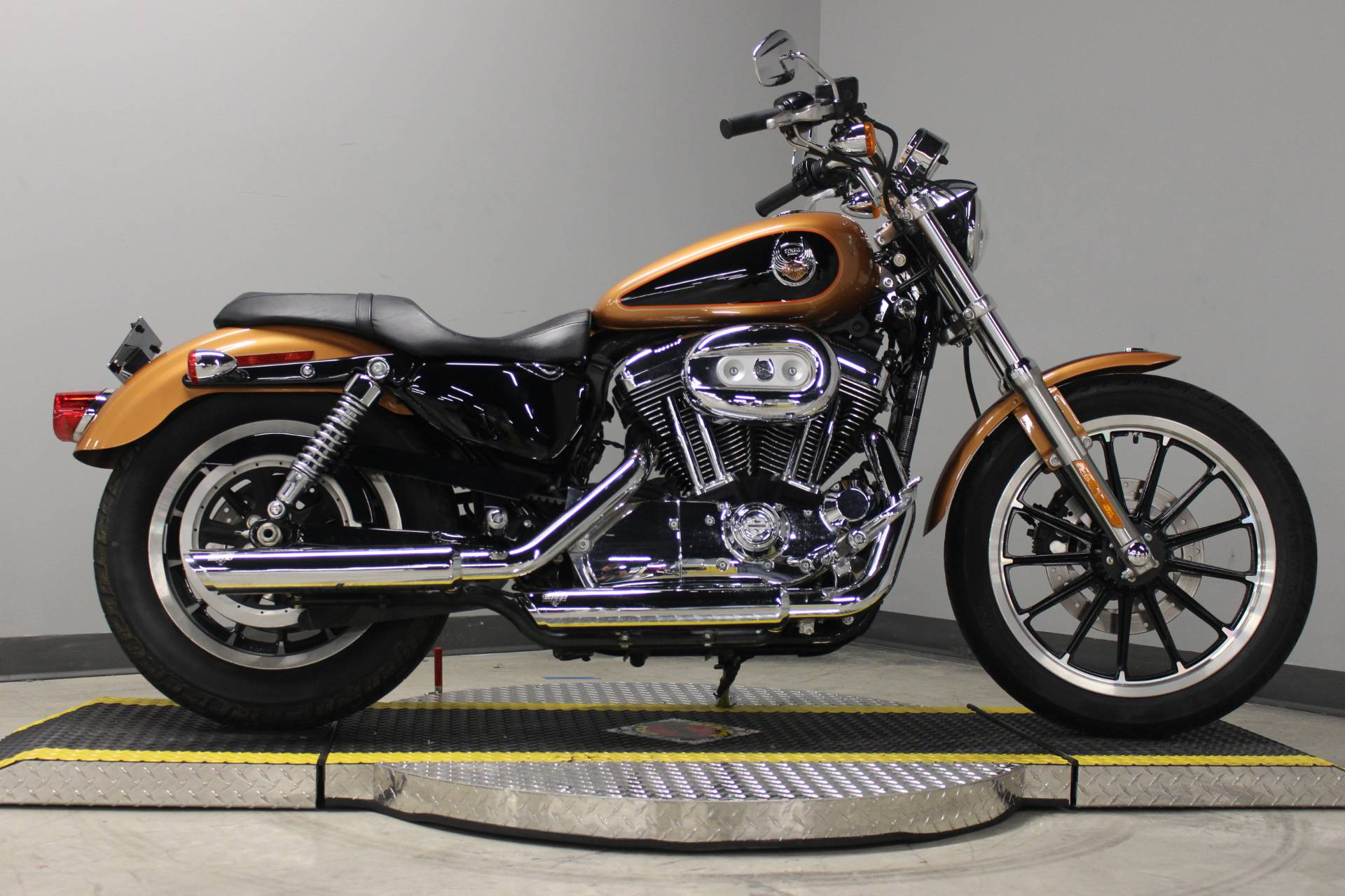 2008 Harley-Davidson Sportster® 1200 Low in Dubuque, Iowa - Photo 5