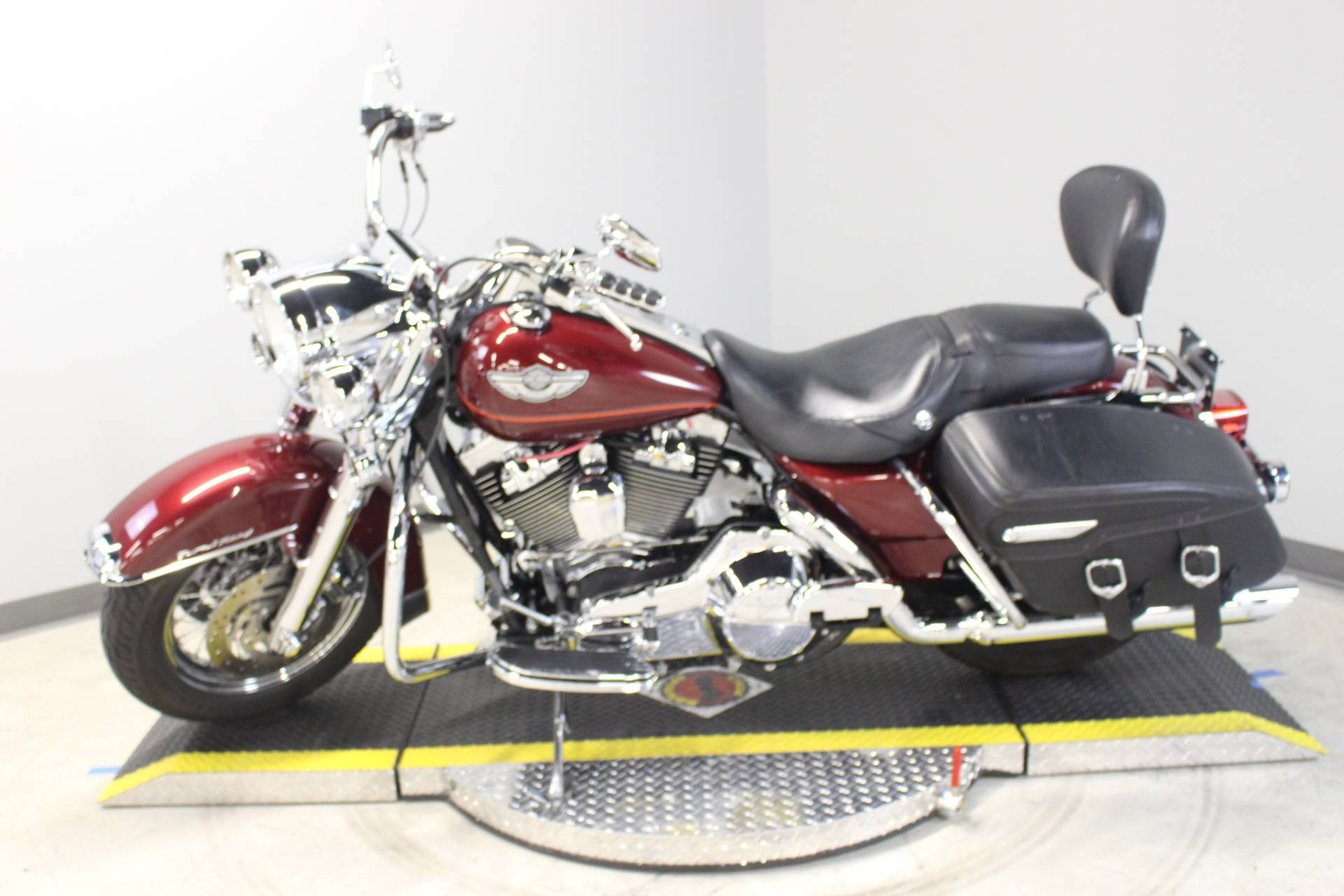 2003 Harley-Davidson FLHRCI Road King® Classic in Dubuque, Iowa - Photo 2