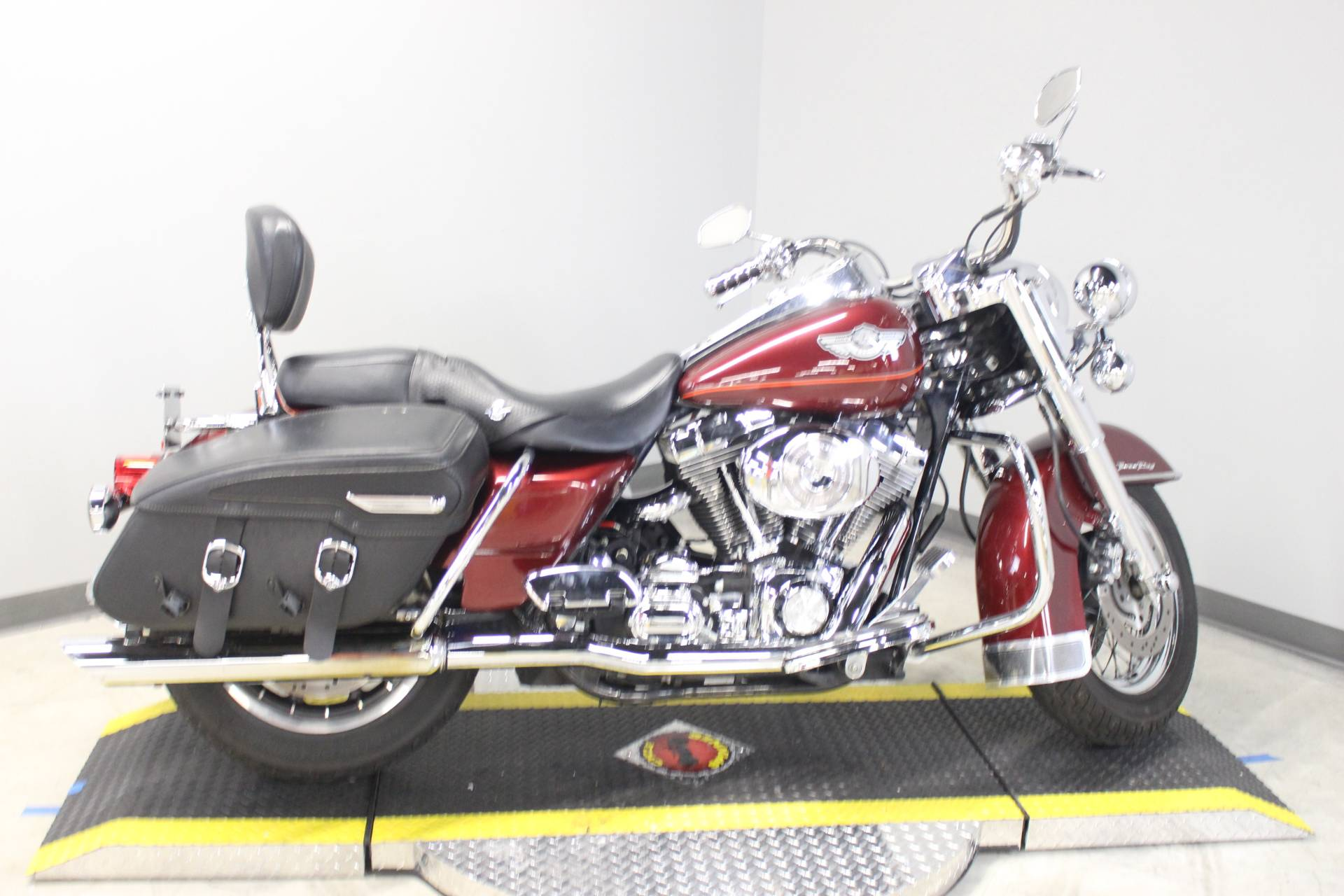 2003 Harley-Davidson FLHRCI Road King® Classic in Dubuque, Iowa - Photo 8