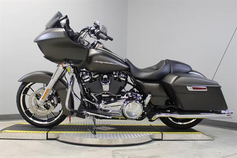 2020 Harley-Davidson Road Glide® in Dubuque, Iowa - Photo 2