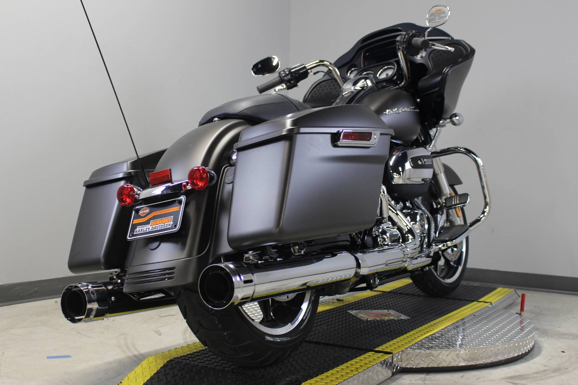 2020 Harley-Davidson Road Glide® in Dubuque, Iowa - Photo 8