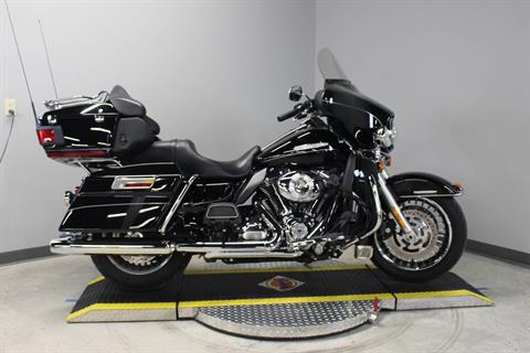 2012 Harley-Davidson Electra Glide® Ultra Limited in Dubuque, Iowa - Photo 3
