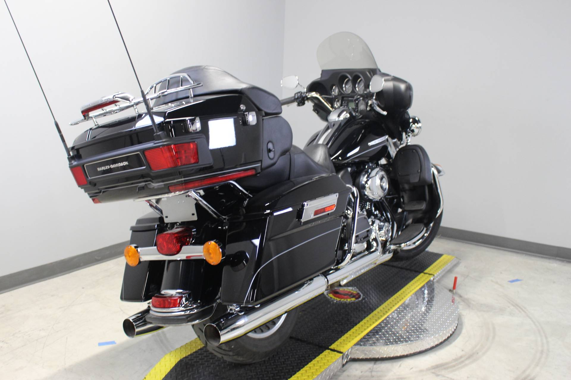 2012 Harley-Davidson Electra Glide® Ultra Limited in Dubuque, Iowa - Photo 4