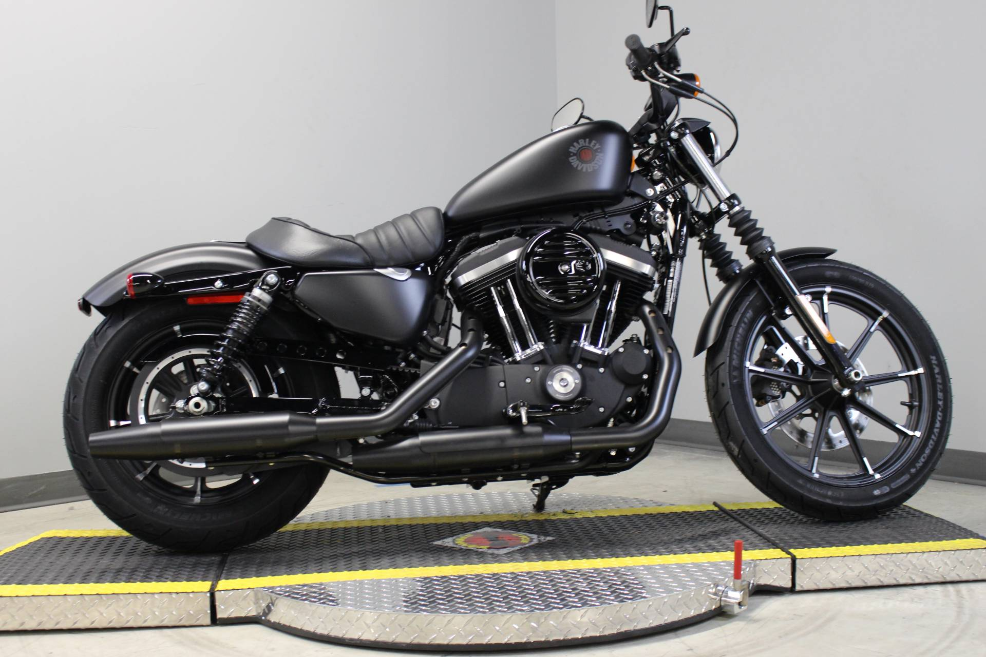 2014 Harley-Davidson Sportster® Iron 883™ in Dubuque, Iowa - Photo 3