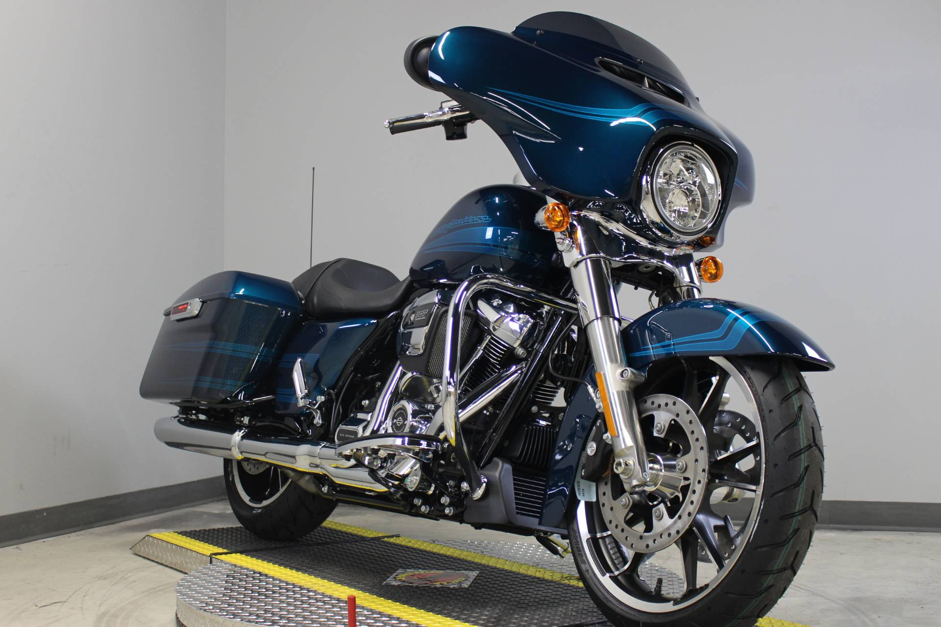 2020 Harley-Davidson Street Glide® in Dubuque, Iowa - Photo 1
