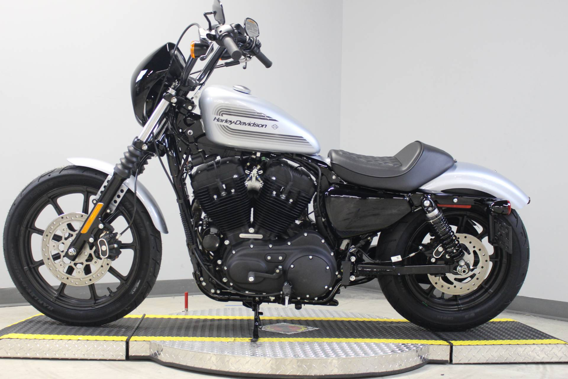 2020 Harley-Davidson Iron 1200™ in Dubuque, Iowa - Photo 2
