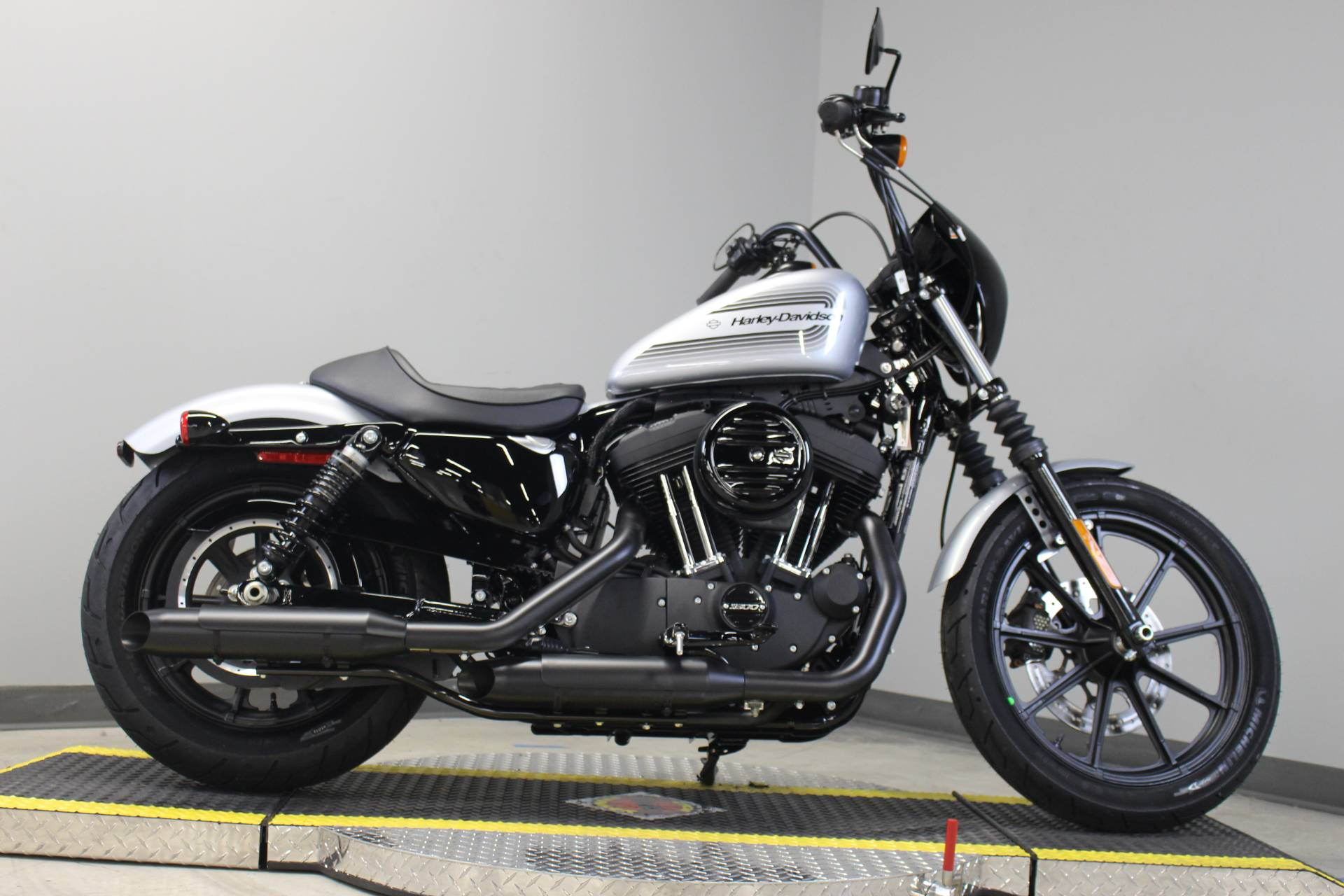 2020 Harley-Davidson Iron 1200™ in Dubuque, Iowa - Photo 5