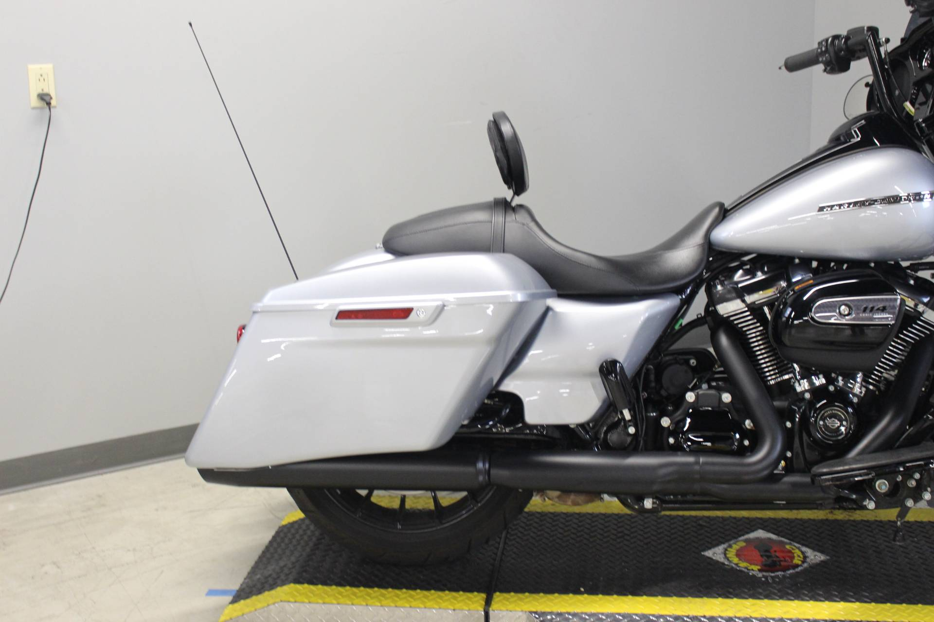2019 Harley-Davidson Street Glide® Special in Dubuque, Iowa - Photo 10
