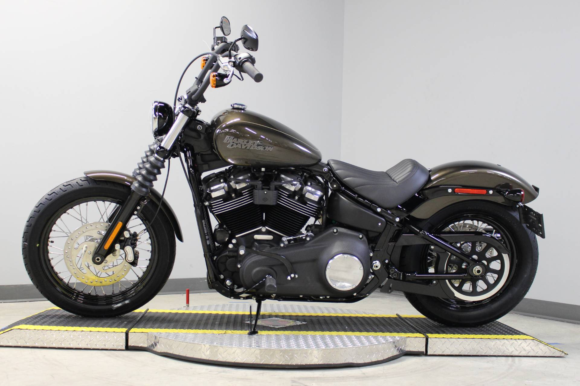 2020 Harley-Davidson Street Bob® in Dubuque, Iowa - Photo 2
