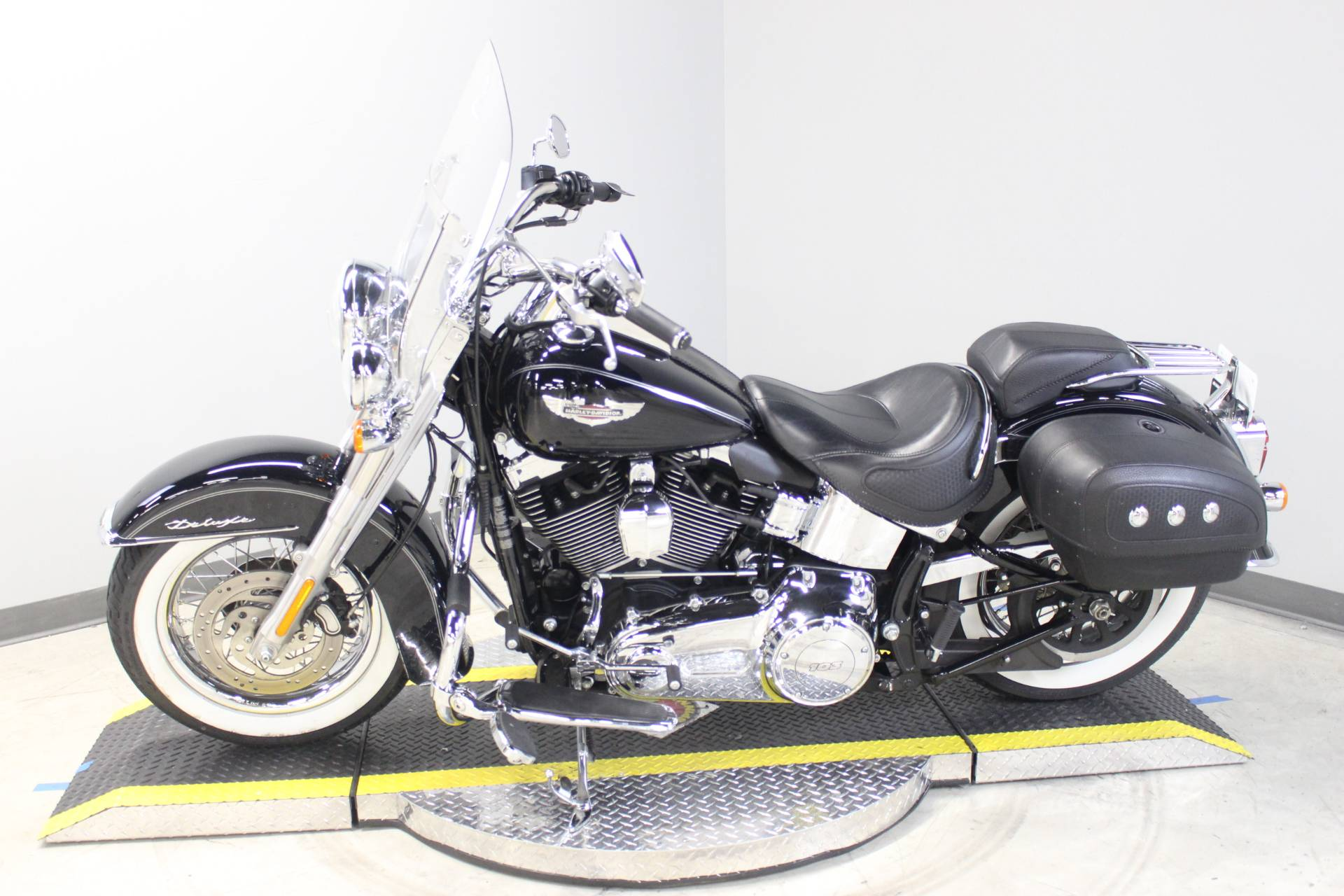 2014 Harley-Davidson Softail® Deluxe in Dubuque, Iowa - Photo 2