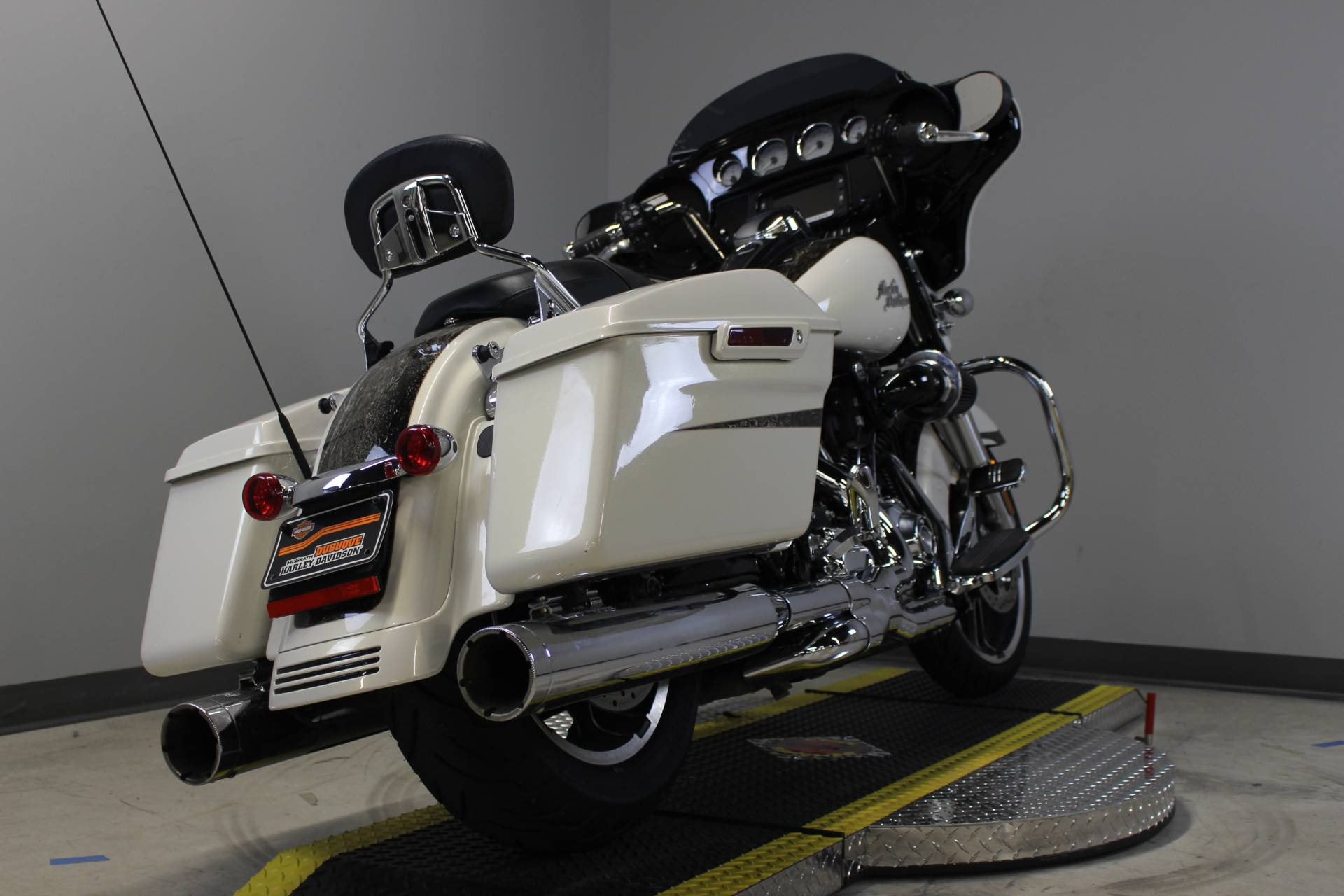 2014 Harley-Davidson Street Glide® Special in Dubuque, Iowa - Photo 5