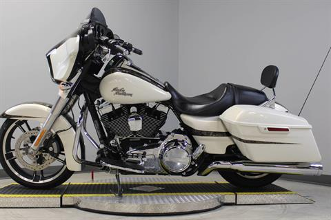 2014 Harley-Davidson Street Glide® Special in Dubuque, Iowa - Photo 11