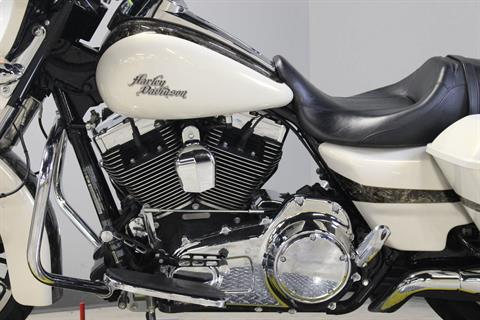 2014 Harley-Davidson Street Glide® Special in Dubuque, Iowa - Photo 12