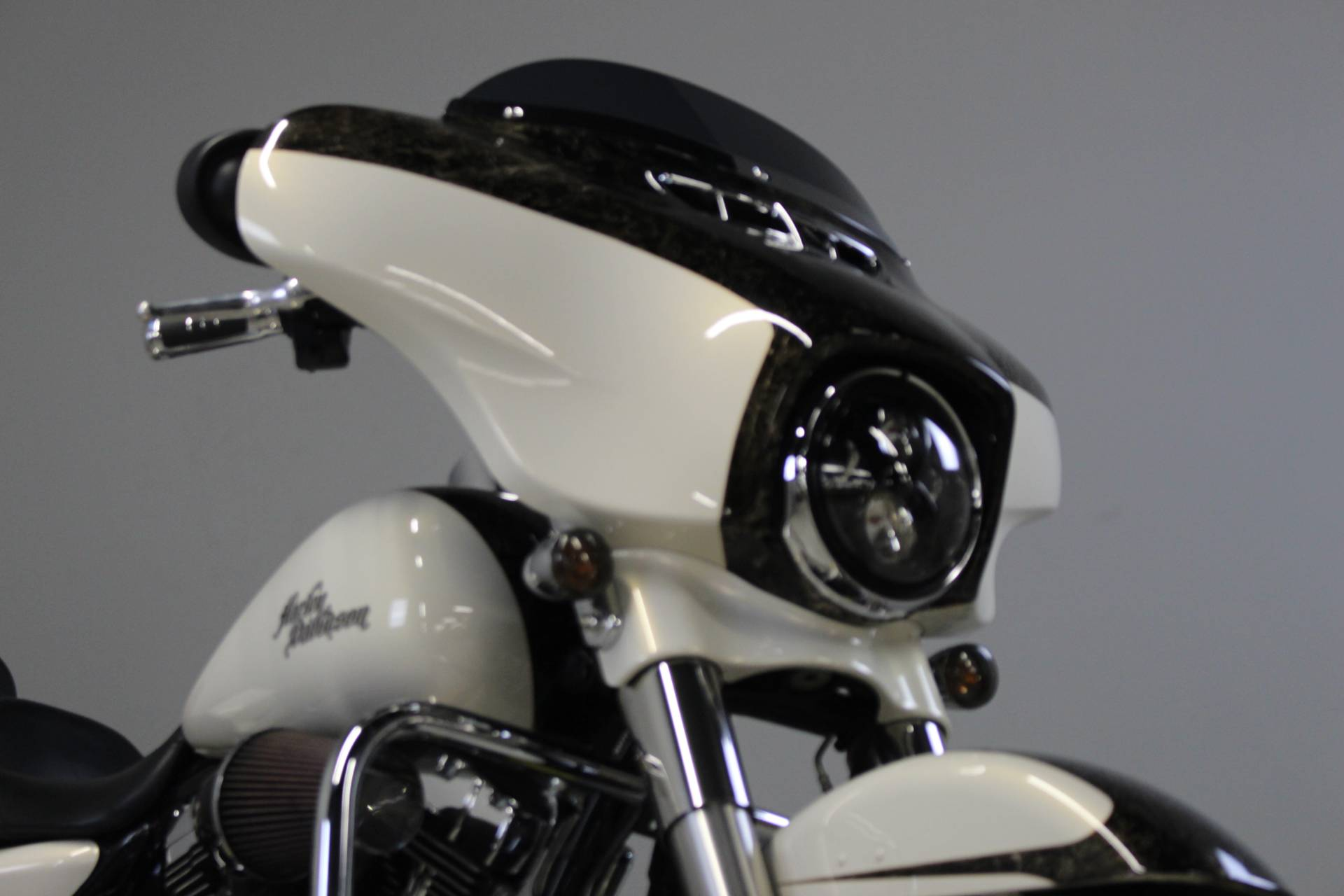 2014 Harley-Davidson Street Glide® Special in Dubuque, Iowa - Photo 13