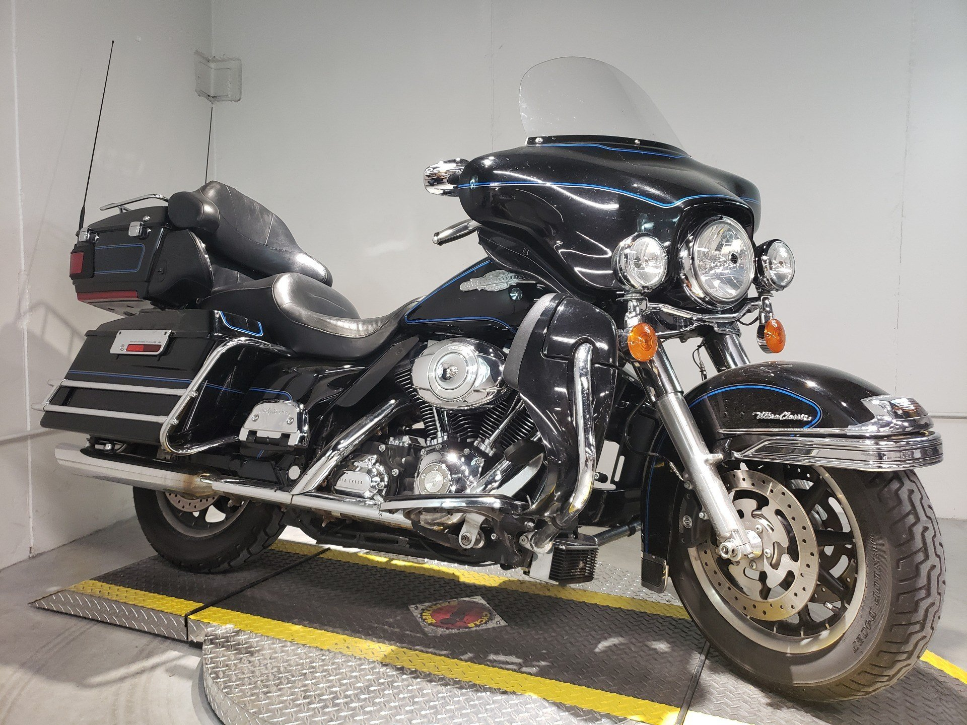 2008 Harley-Davidson Ultra Classic® Electra Glide® Peace Officer Special Edition in Coralville, Iowa - Photo 1