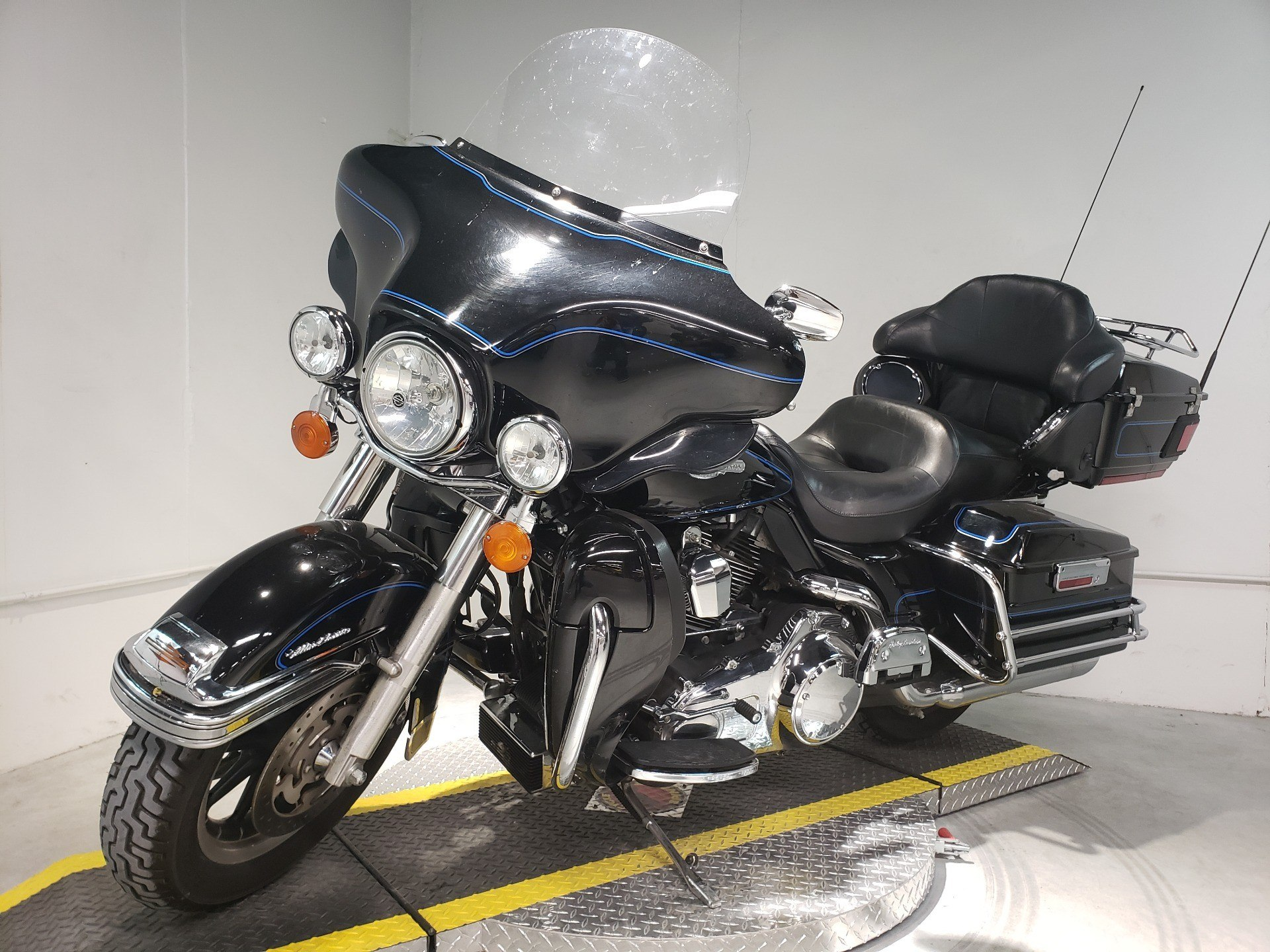 2008 Harley-Davidson Ultra Classic® Electra Glide® Peace Officer Special Edition in Coralville, Iowa - Photo 3