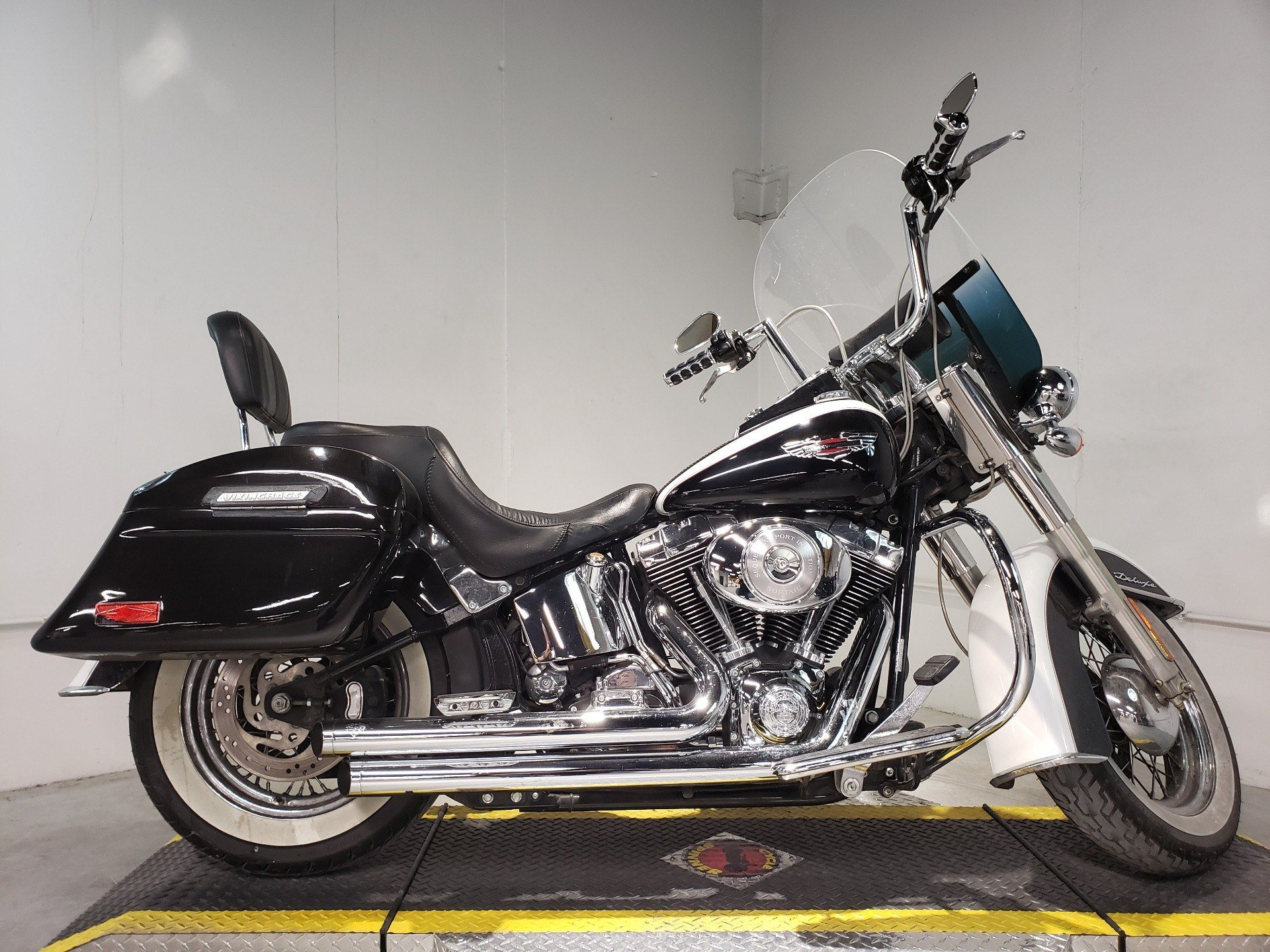 2005 Harley-Davidson FLSTN/FLSTNI Softail® Deluxe in Coralville, Iowa - Photo 7