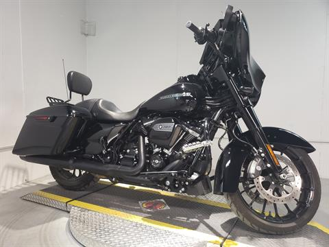 2018 Harley-Davidson Street Glide® Special in Coralville, Iowa - Photo 2