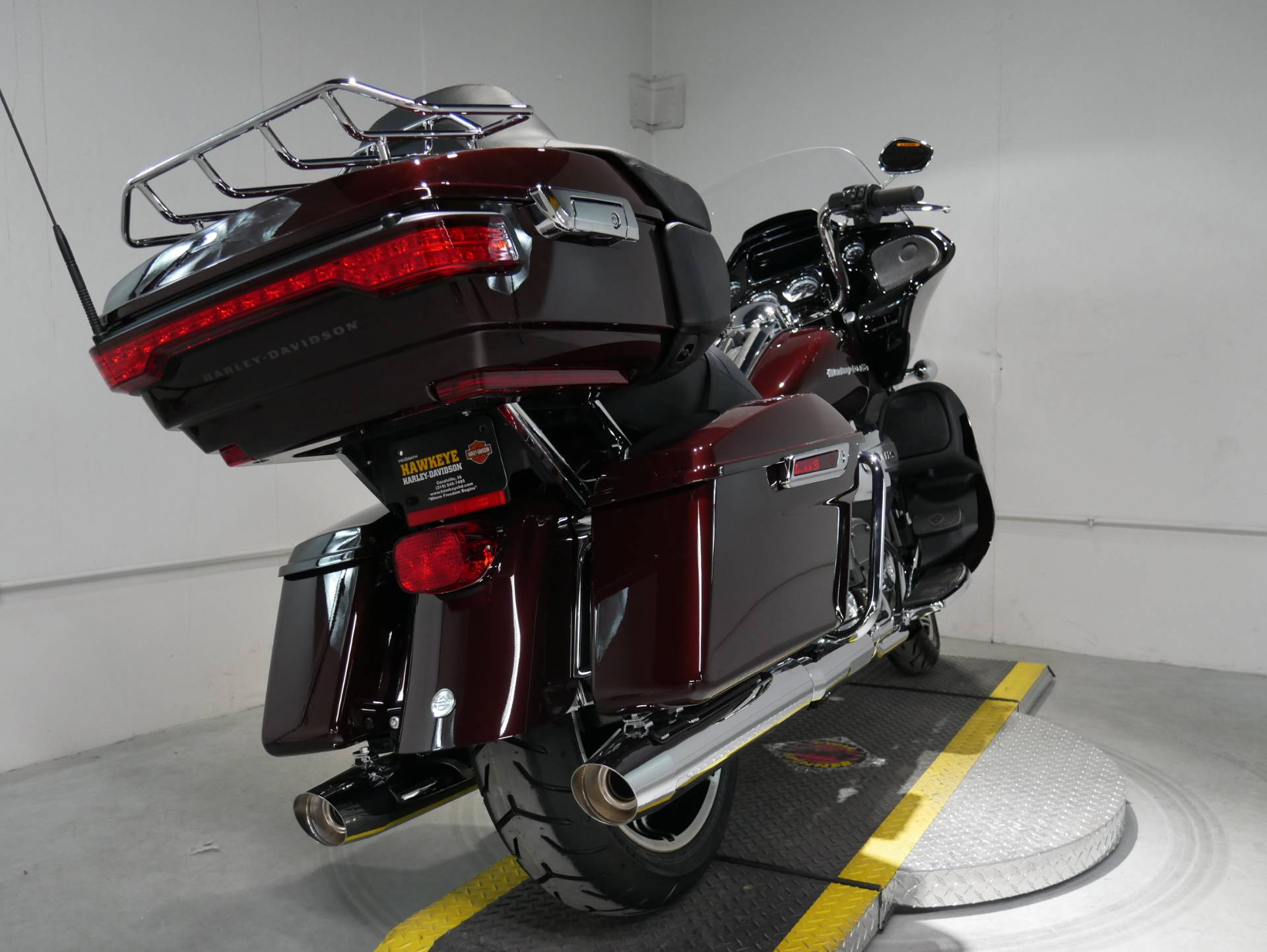 2021 Harley-Davidson Road Glide® Limited in Coralville, Iowa - Photo 4