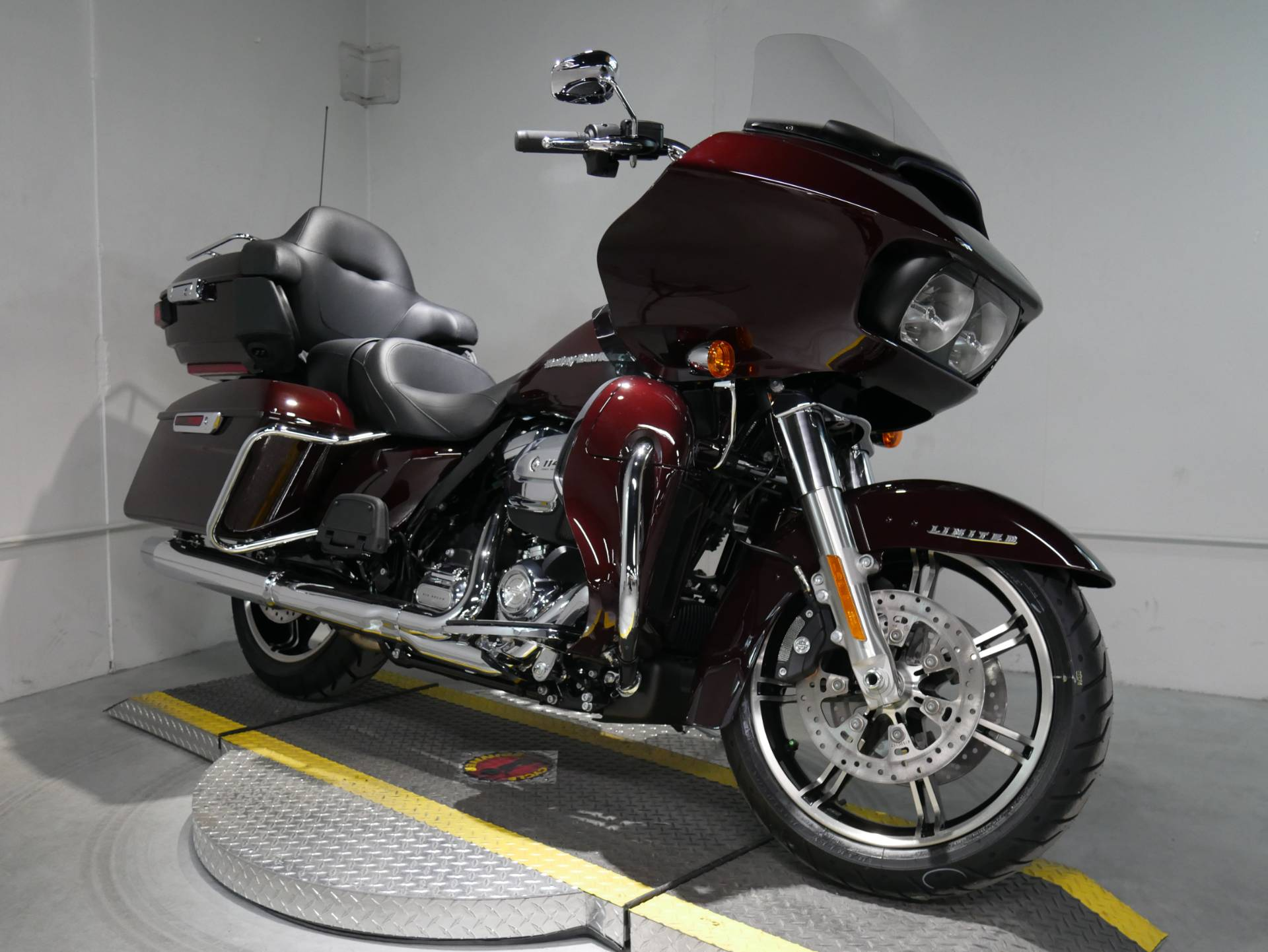 2021 Harley-Davidson Road Glide® Limited in Coralville, Iowa - Photo 1
