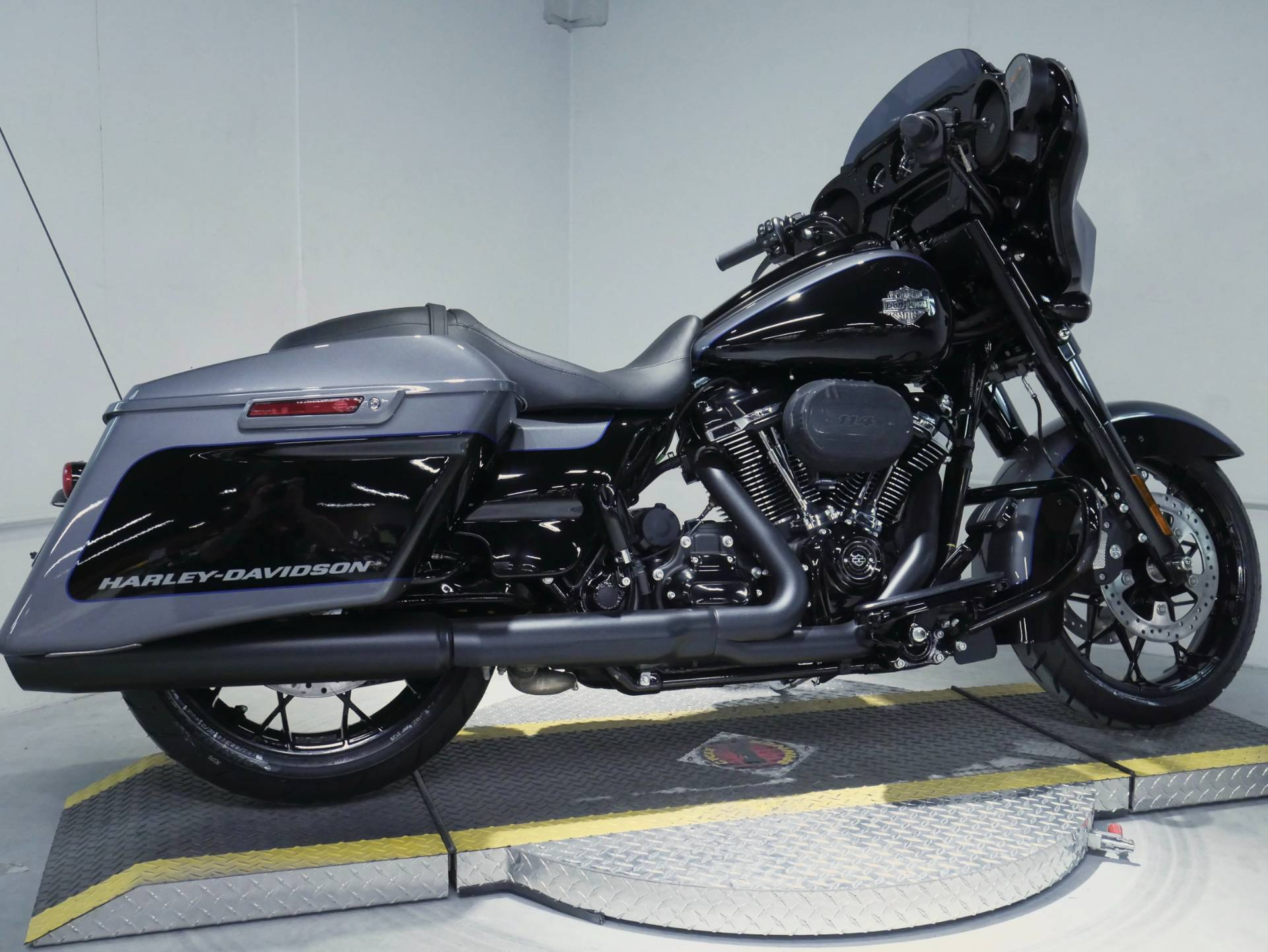 2021 Harley-Davidson Street Glide® Special in Coralville, Iowa - Photo 3