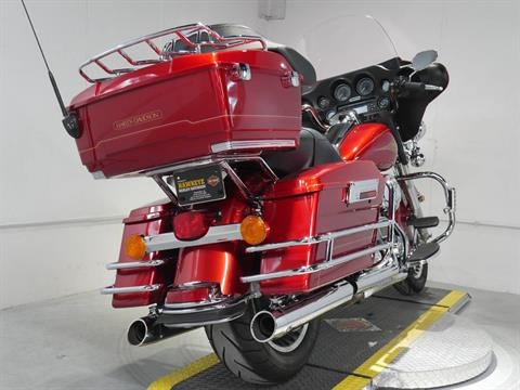 2012 Harley-Davidson Ultra Classic® Electra Glide® in Coralville, Iowa - Photo 5