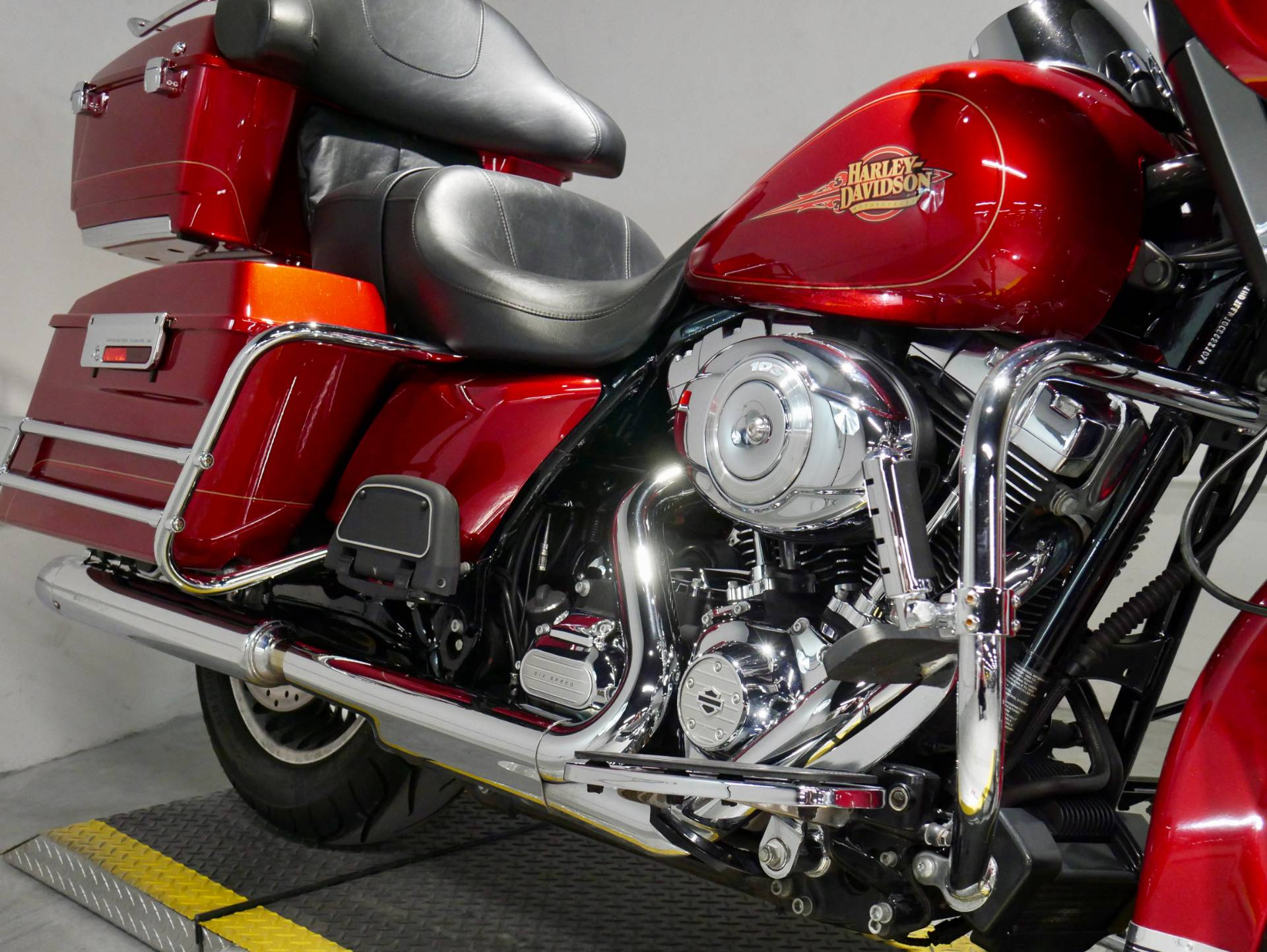 2012 Harley-Davidson Ultra Classic® Electra Glide® in Coralville, Iowa - Photo 2