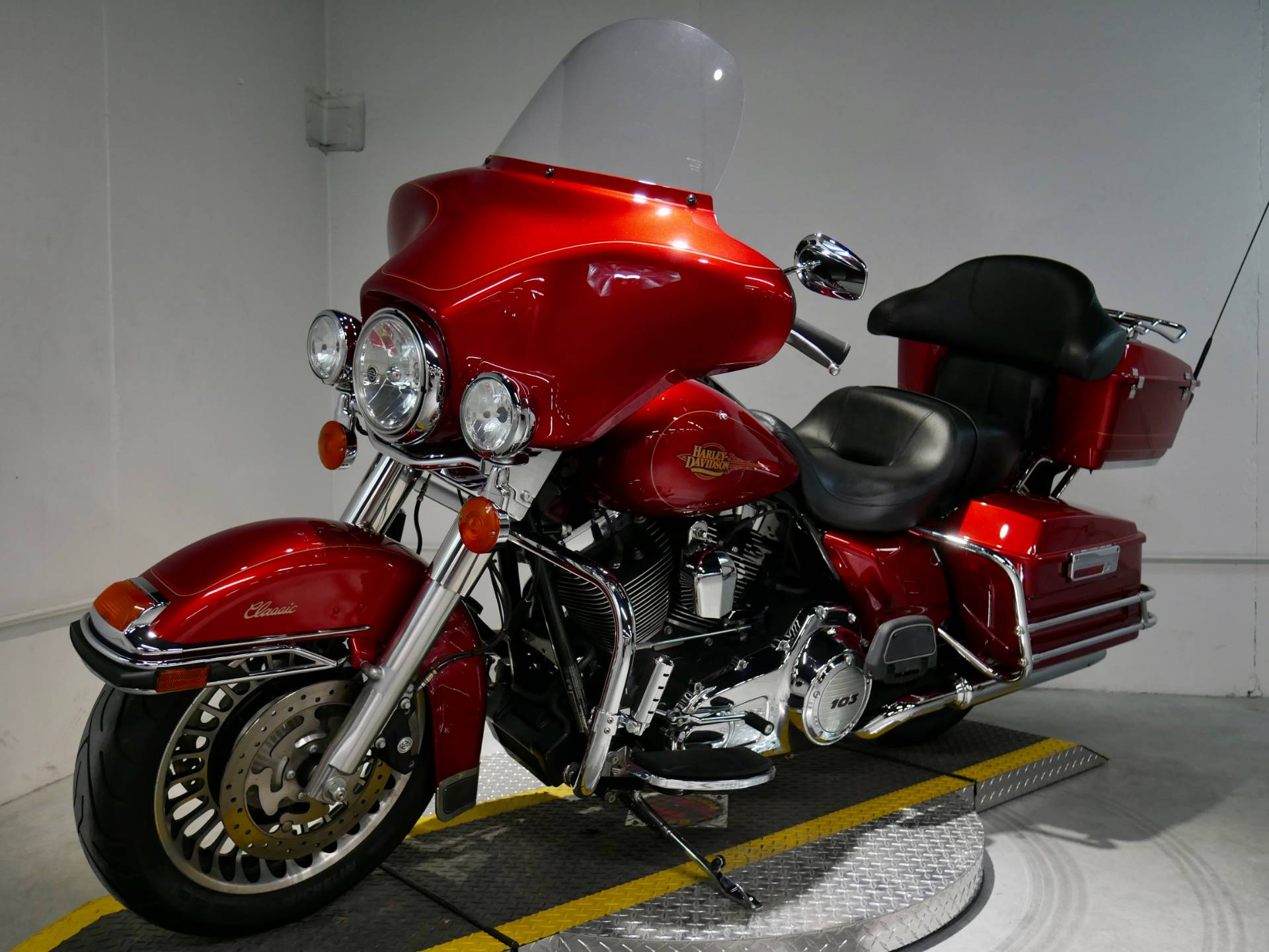 2012 Harley-Davidson Ultra Classic® Electra Glide® in Coralville, Iowa - Photo 8
