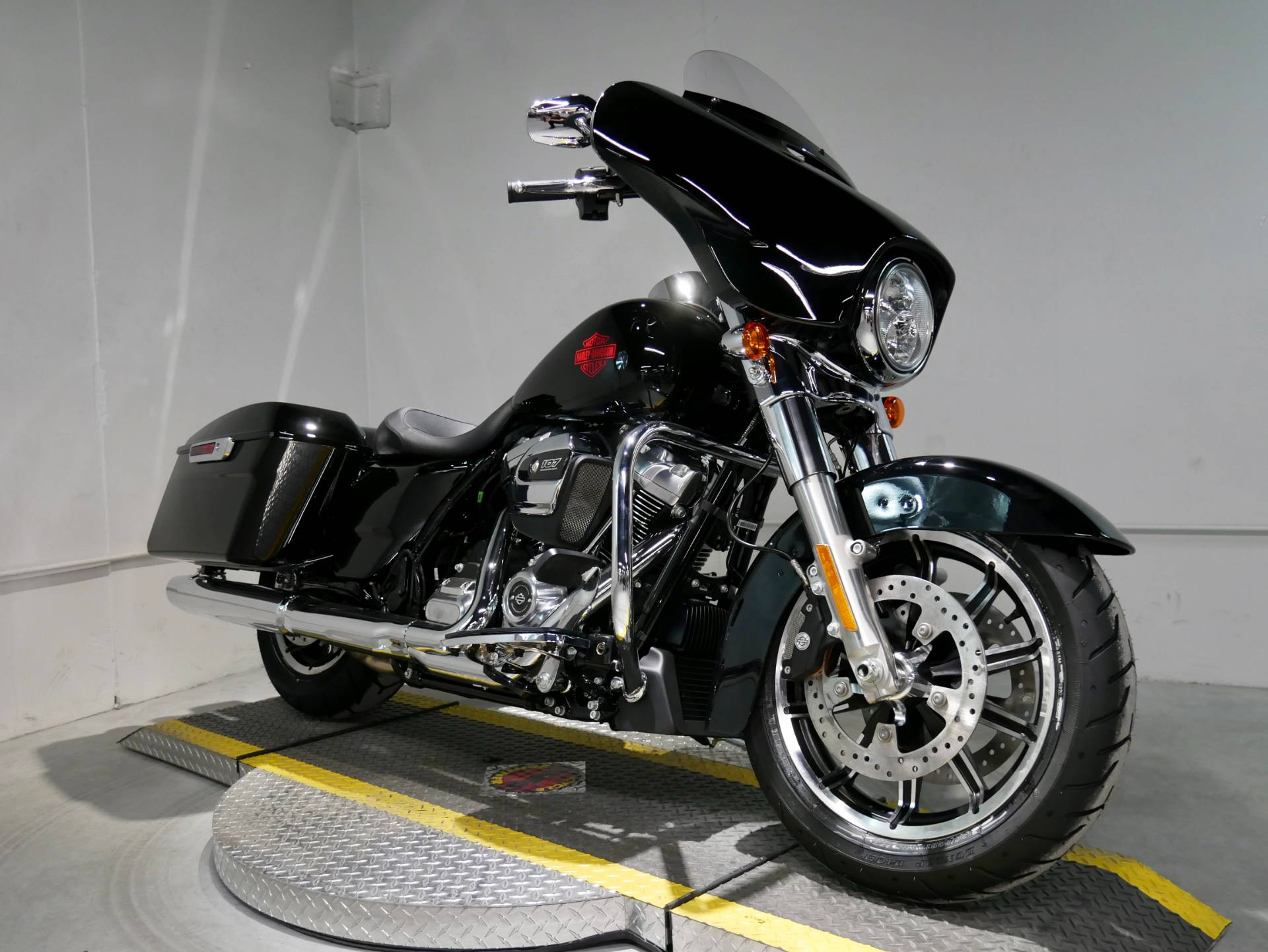 2021 Harley-Davidson Electra Glide® Standard in Coralville, Iowa - Photo 1