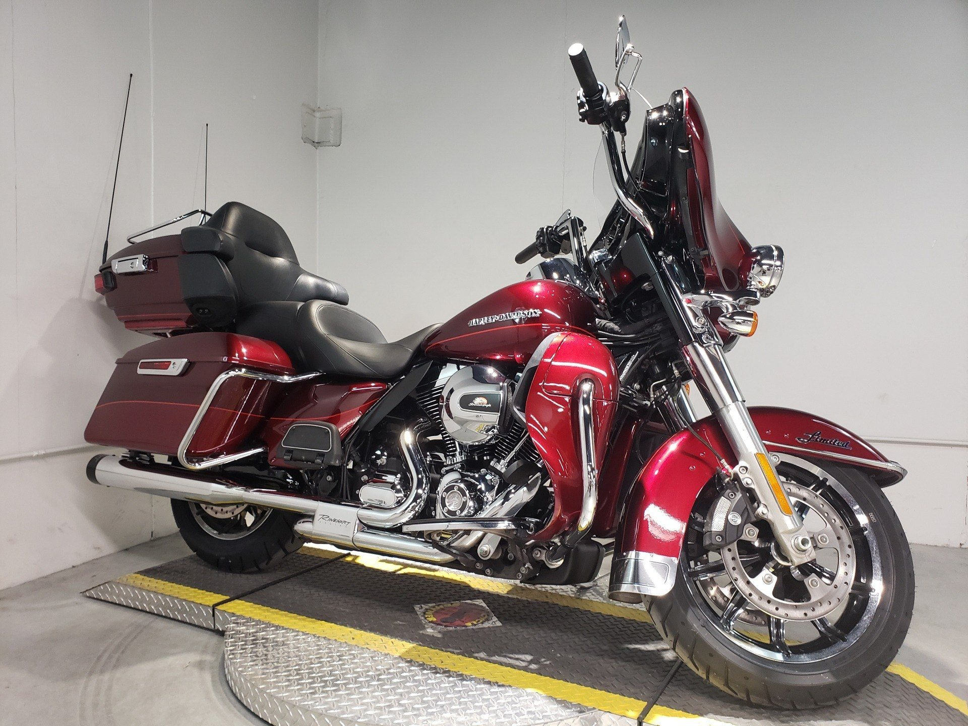2016 Harley-Davidson Ultra Limited in Coralville, Iowa - Photo 2