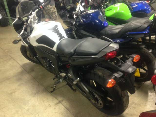 2012 Yamaha FZ1 in Huron, Ohio