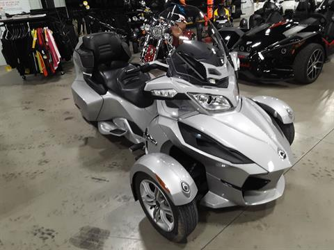 2010 Can-Am Spyder® RT Audio & Convenience SM5 in Huron, Ohio