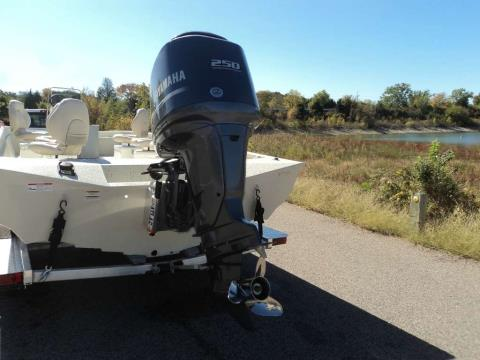 2015 Xpress X-26 GUIDE in Mead, Oklahoma