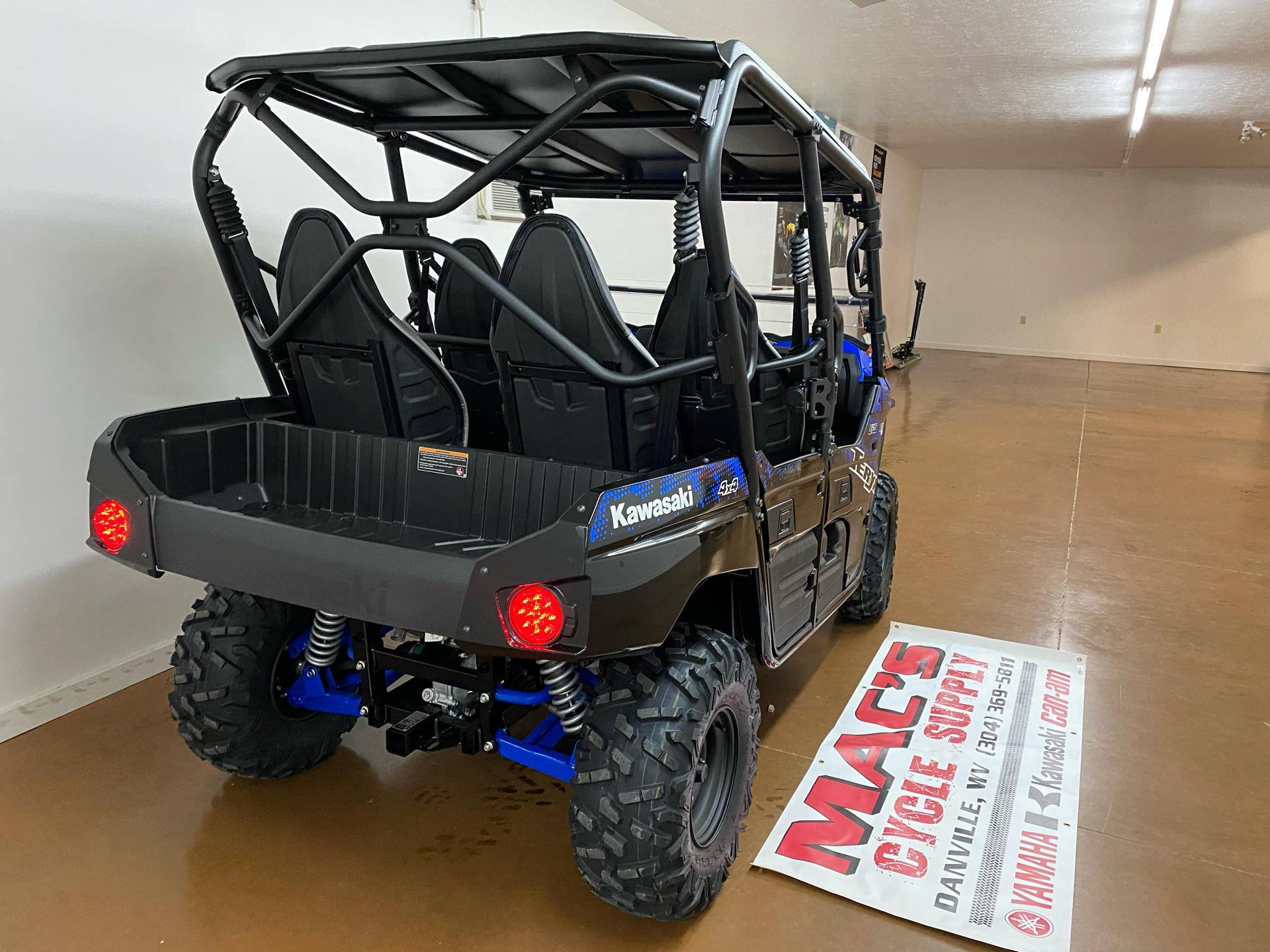 2021 Kawasaki Teryx4 in Danville, West Virginia - Photo 4