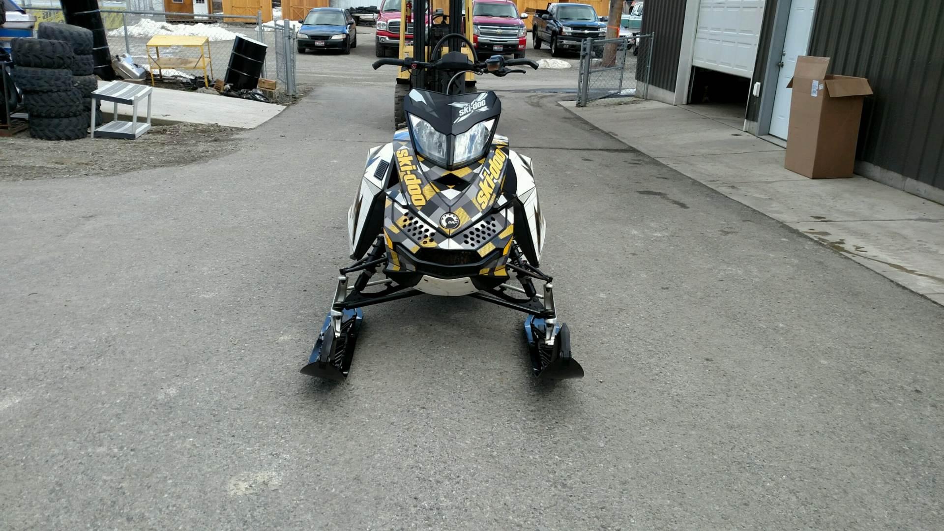 2014 Ski-Doo Summit Sport PowerT.E.K. 800R 3