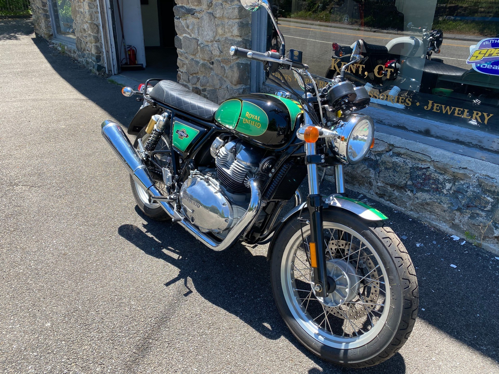 2019 Royal Enfield INT 650 in Kent, Connecticut - Photo 2