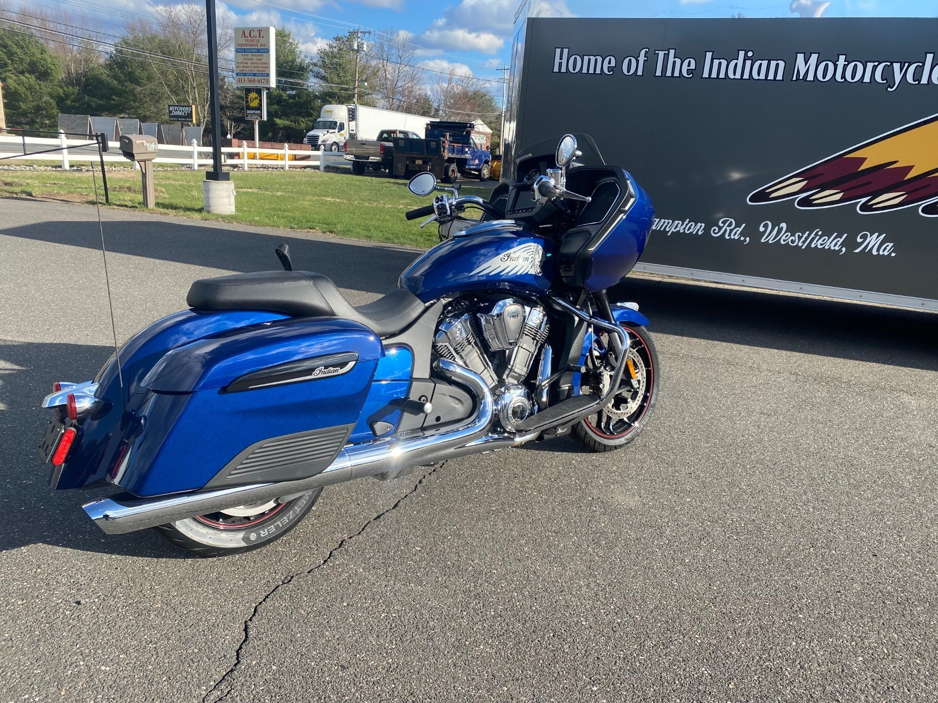 2020 Indian Challenger® Limited in Westfield, Massachusetts - Photo 6