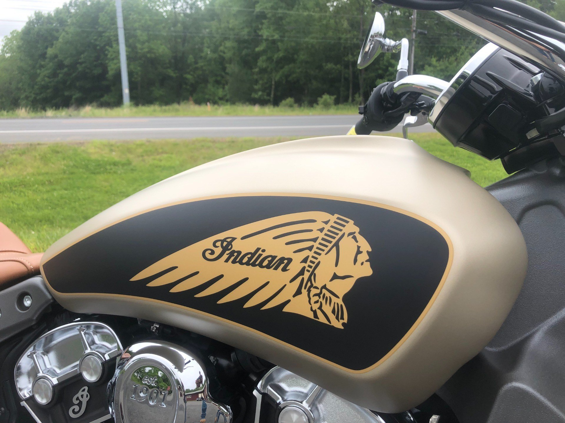 2019 Indian Scout® ABS Icon Series in Westfield, Massachusetts - Photo 2
